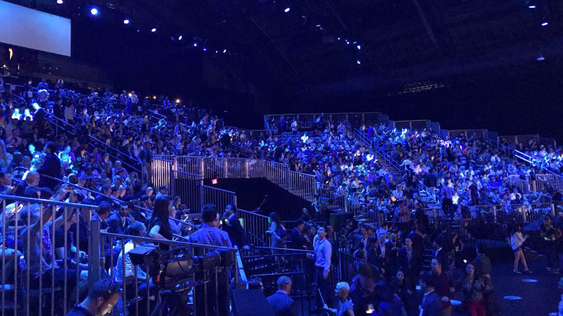 Máxima capacidad dentro del Park Avenue Armory para la presentación del Galaxy Note 8 de Samsung