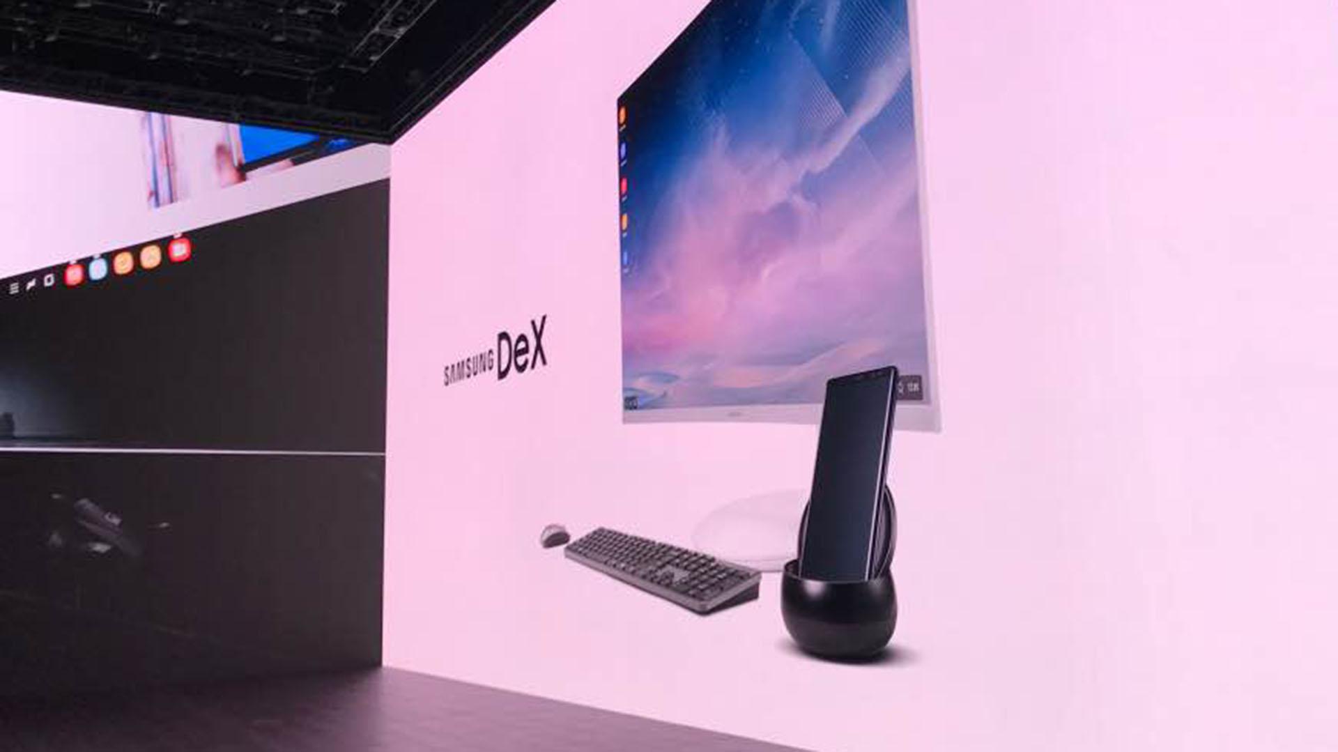 El Note 8 incluirá también un dispositivo de carga inalámbrica y se podrá conectar fácilmente con otra computadora para utilizar el dispositivo desde una pantalla más grande