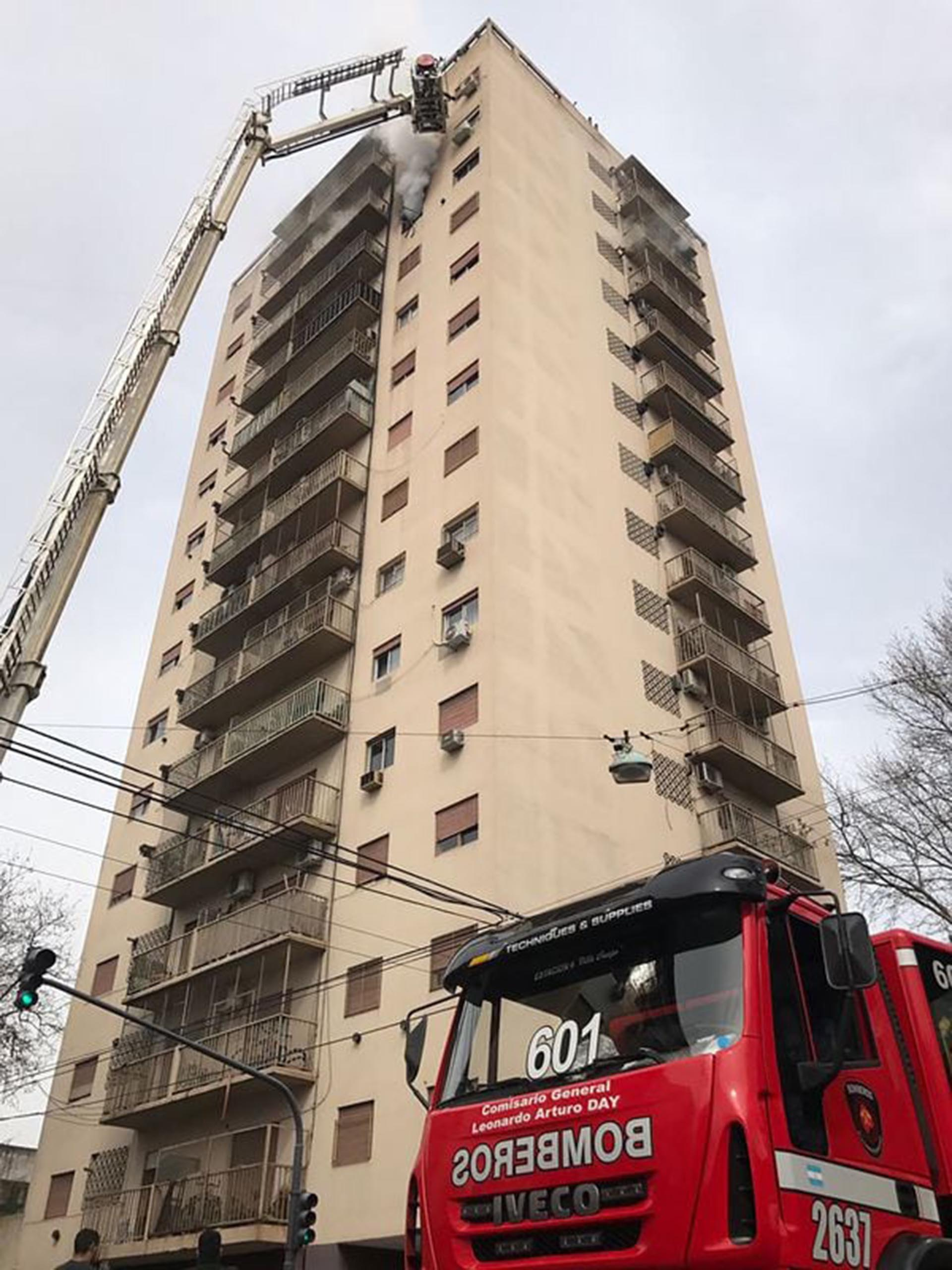 Incendio en un edificio en Palermo