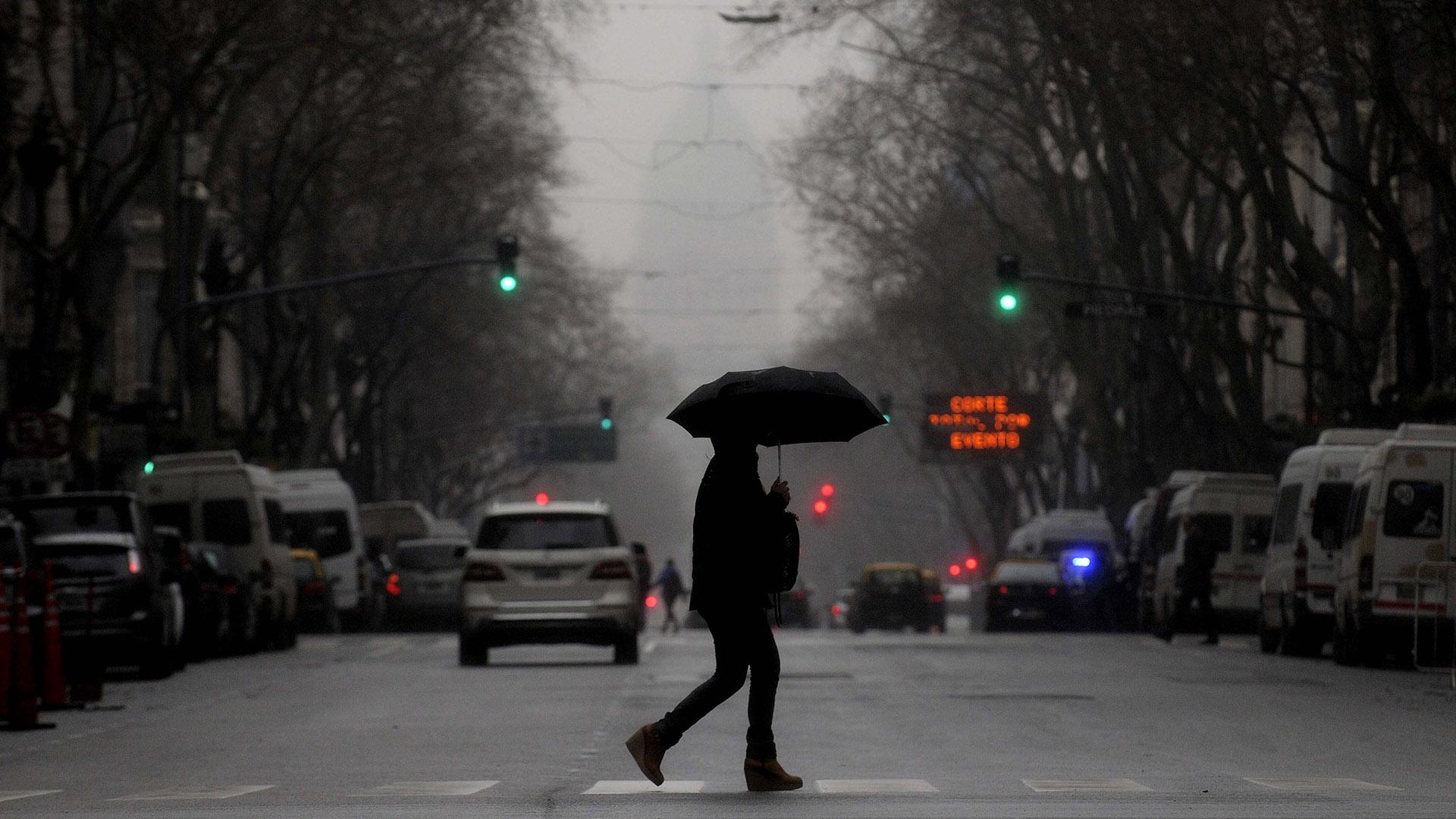 Se pronosticaron intensas lluvias en la Ciudad de Buenos Aires. (DyN)