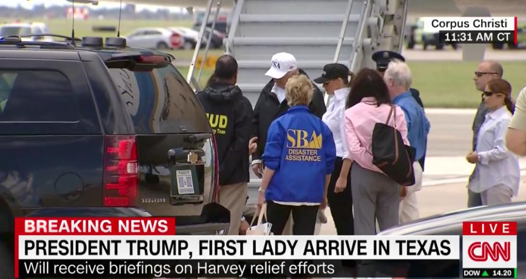 Melania Trump fue criticada por usar tacones en visita a Texas