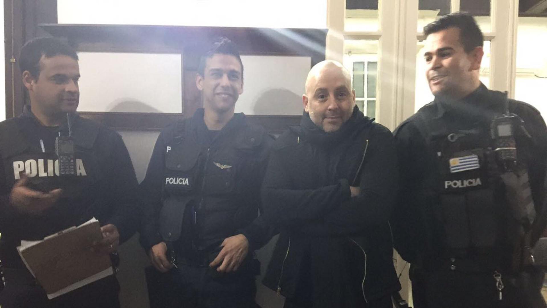 """José María Muscariy el elenco de """"Falladas"""" fueron víctimas de un robo en Montevideo ylos encerraron en la sala del teatro durante el hecho delictivo"""