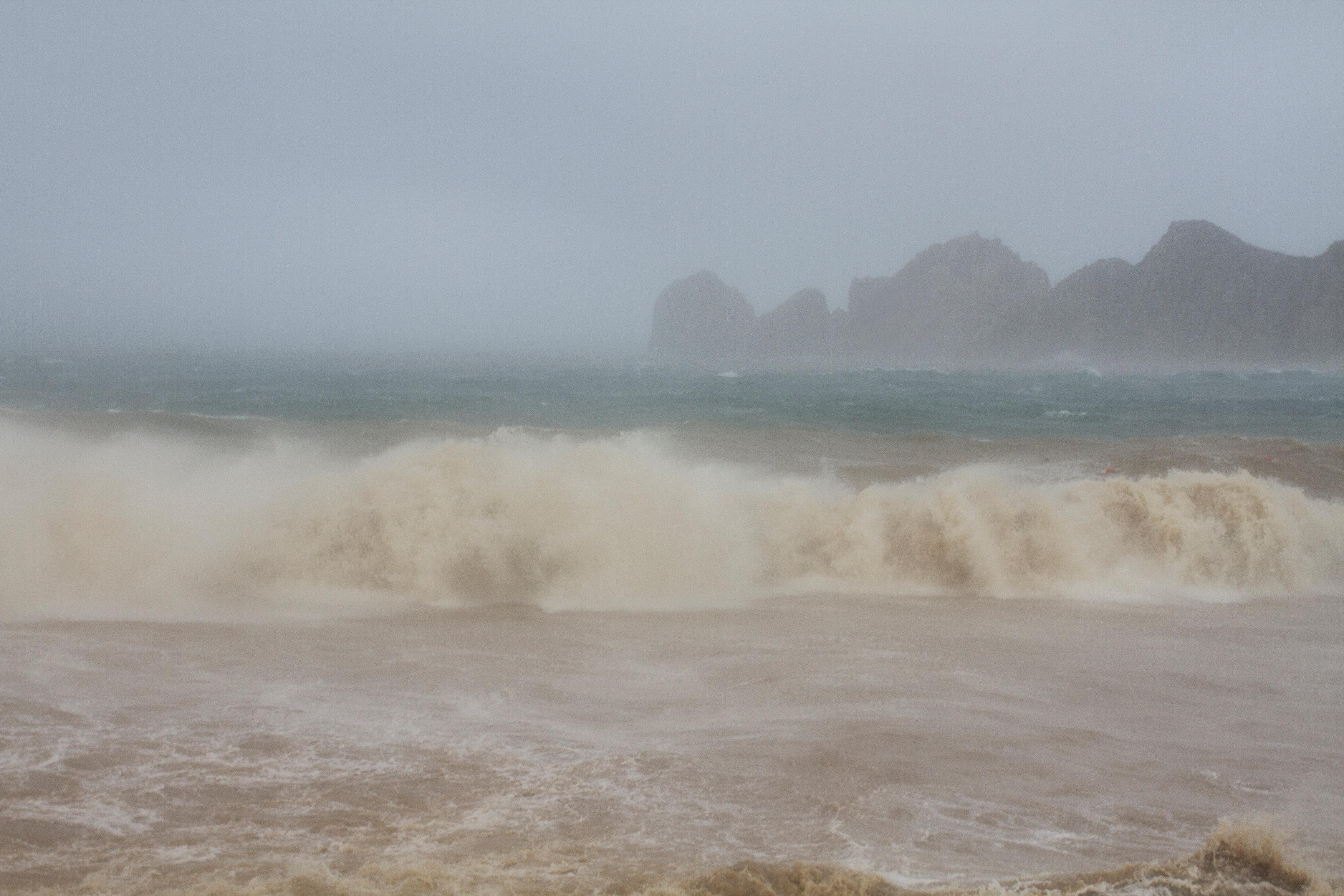 Las olas en Los Cabos. (REUTERS)