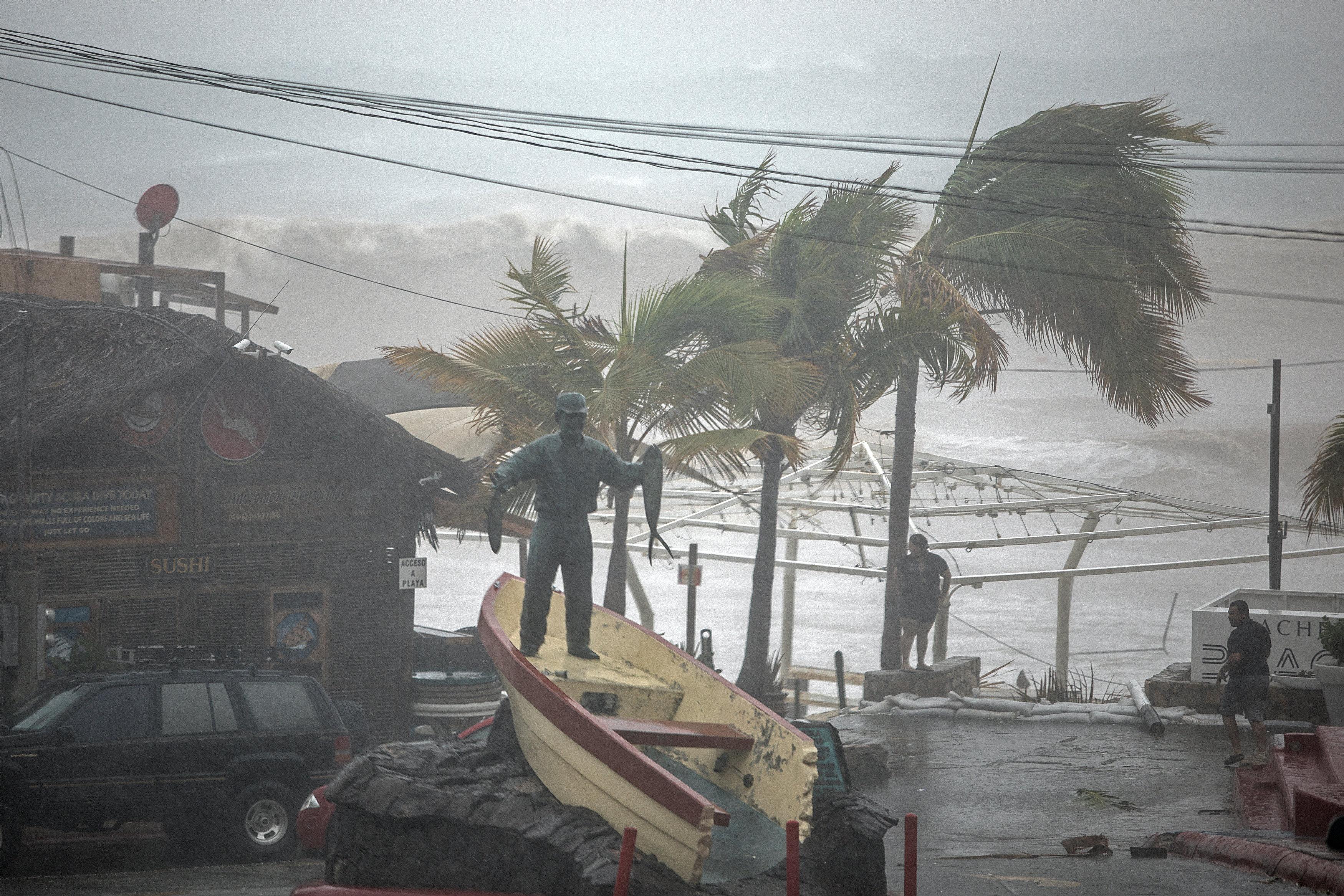 Los Cabos, azotados por la tormenta Lidia (REUTERS/Fernando Castillo)