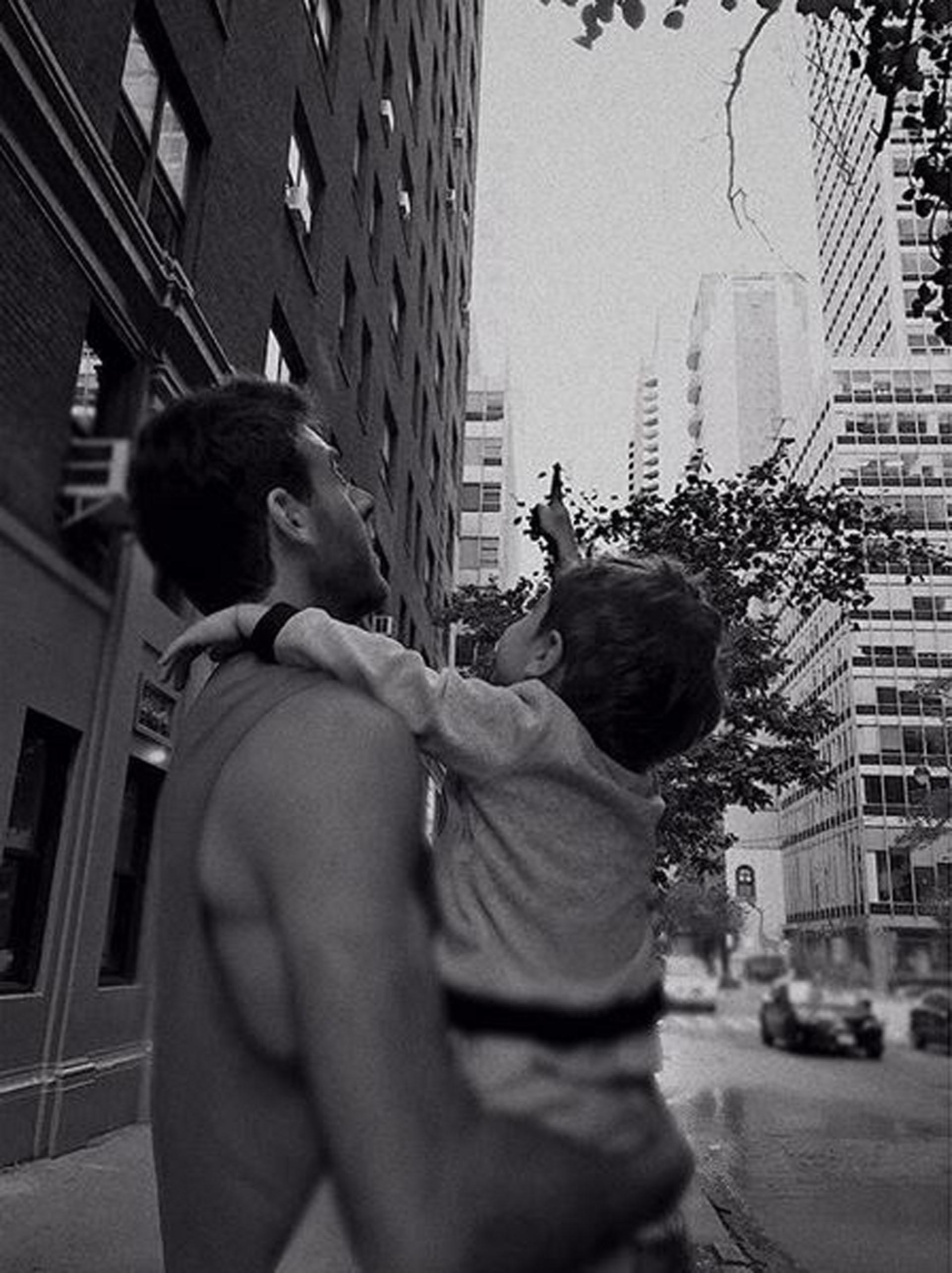 """Muy enamorada, Jimena Barón publico una foto de su hijo, Morrison, en brazos de su pareja, Juan Martín del Potro en los Estados Unidos: """"No me alcanzaría el universo entero para mostrarles hasta dónde amo a estos dos hombres"""""""