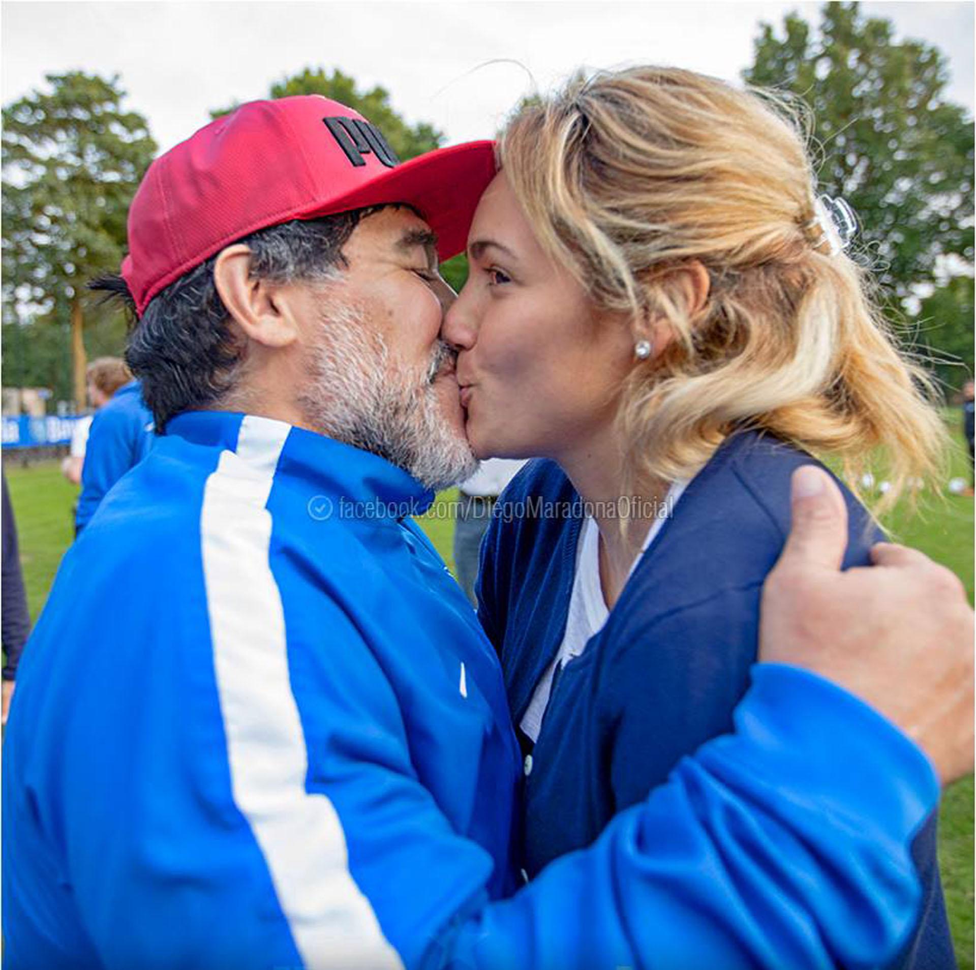 Diego Rocío publicó una foto dándole un beso a Rocío Oliva para dar por terminada su crisis de manera pública