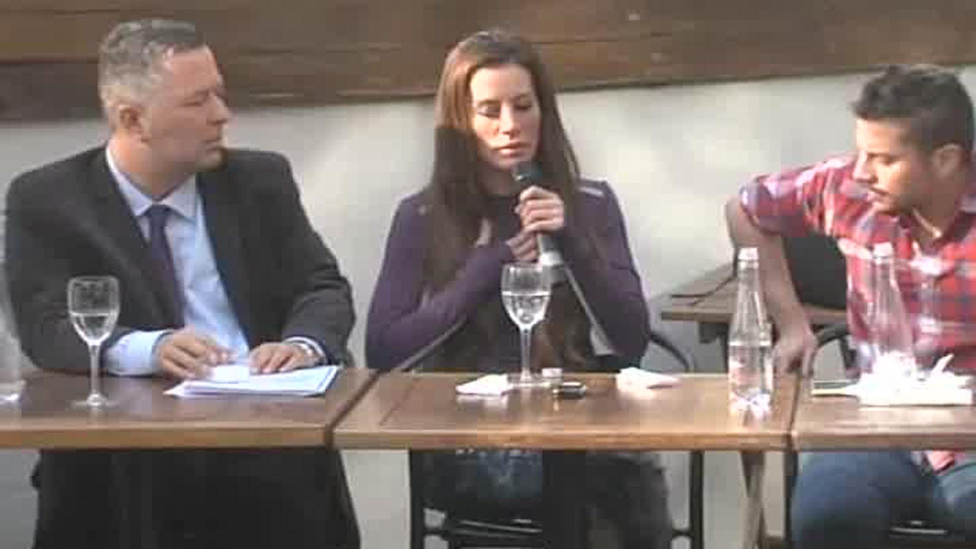Natacha Jaitt en la conferencia de prensa en la que denunció a Diego Latorre