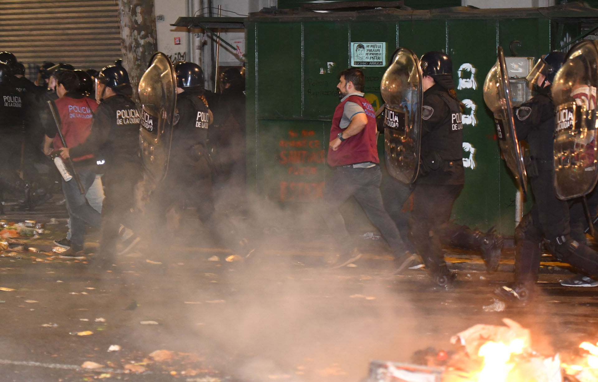 La marcha por la aparición de Santiago Maldonado culminó empañada por incidentes y destrozos por parte de manifestantes