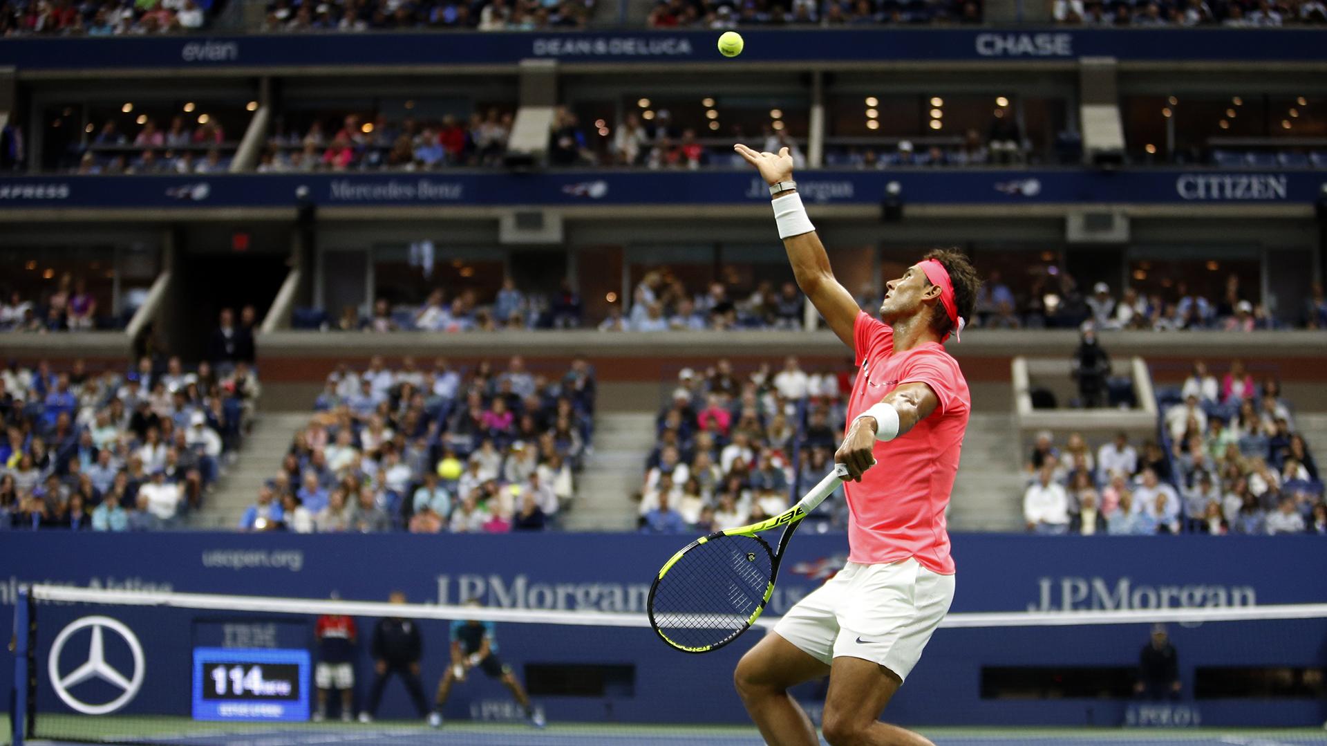 Rafael Nadal padeció durante los dos primeros sets ante el argentino (AP)