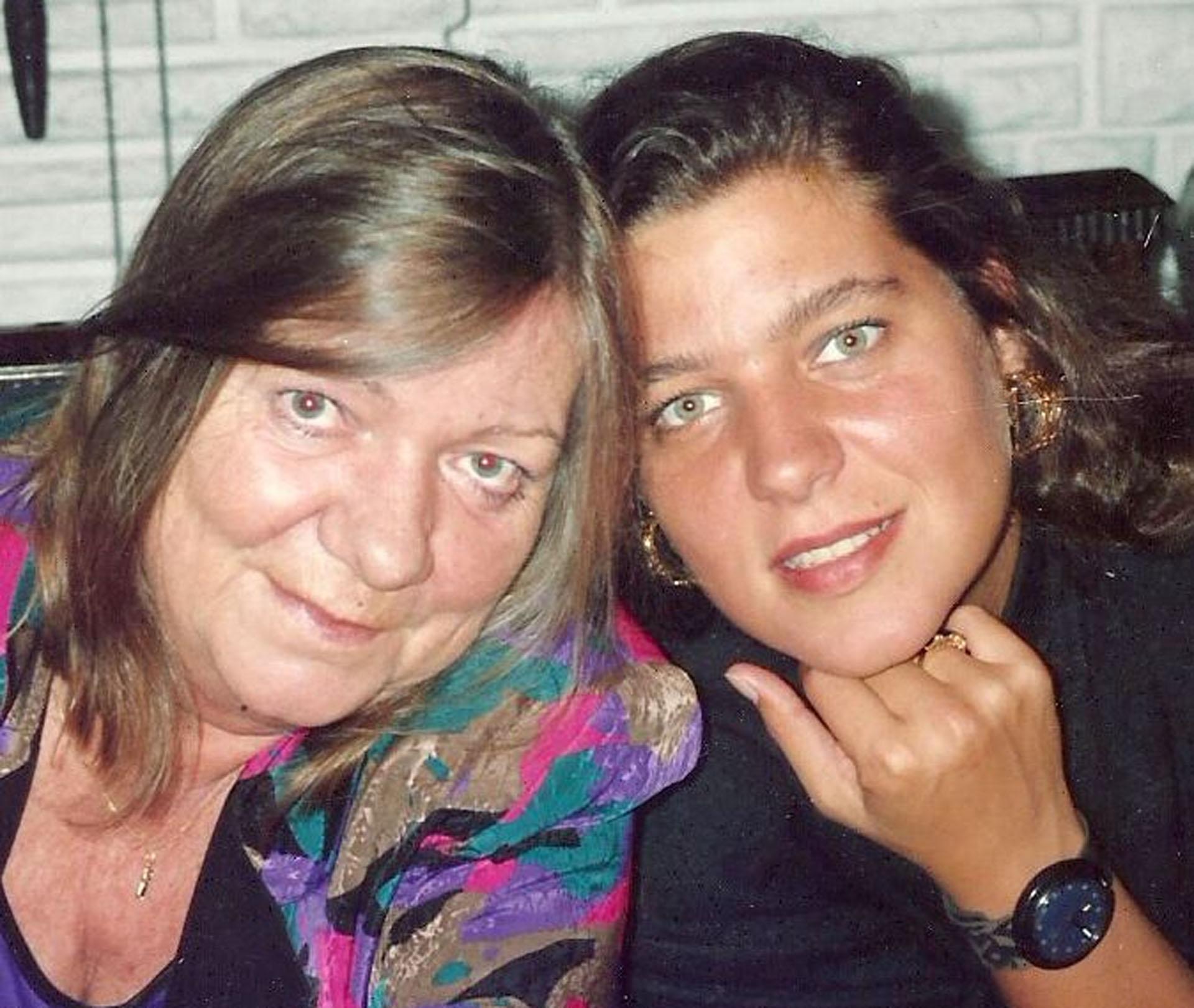 Monika Airborgast junto a su hija Renee Cormillot