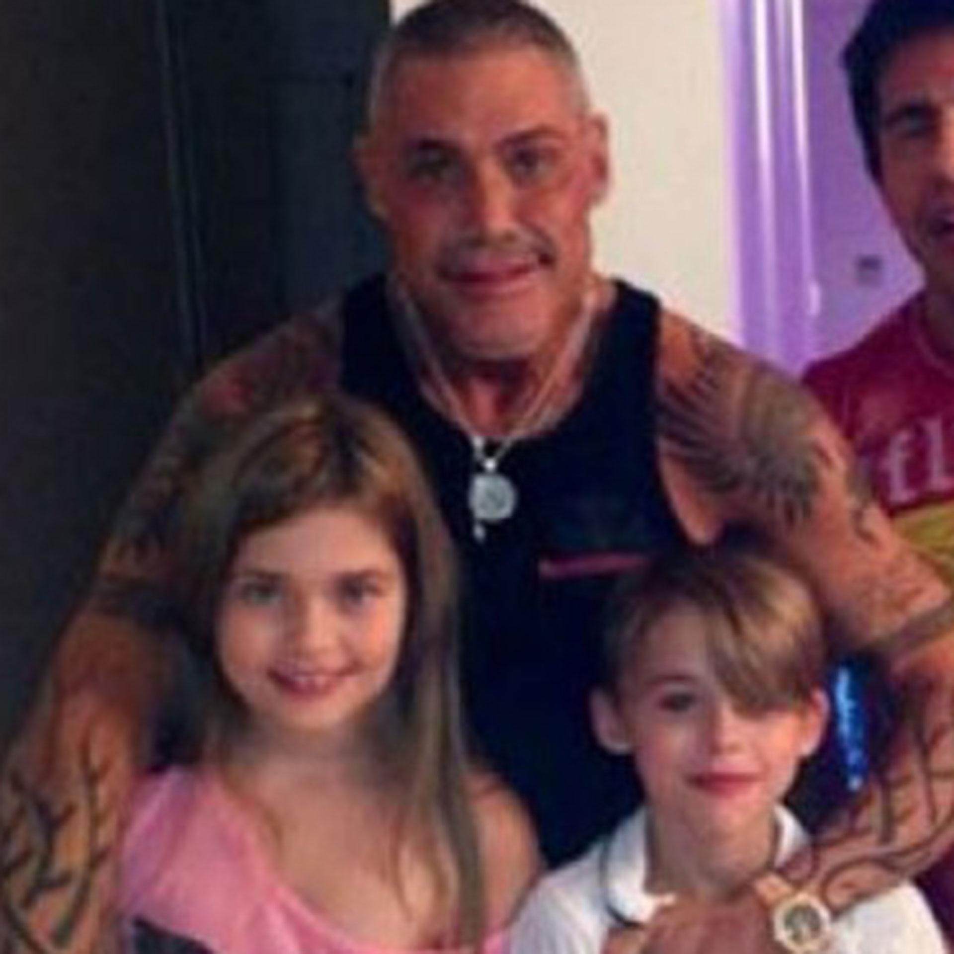 Ricardo Fort junto a sus hijos Martita y Felipe