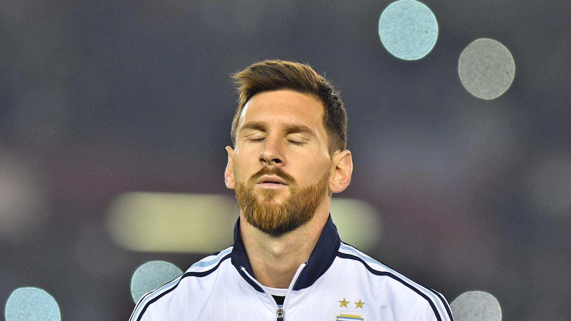 Lionel Messi fue uno de losjugadores más destacadosen otra pobre actuación argentina