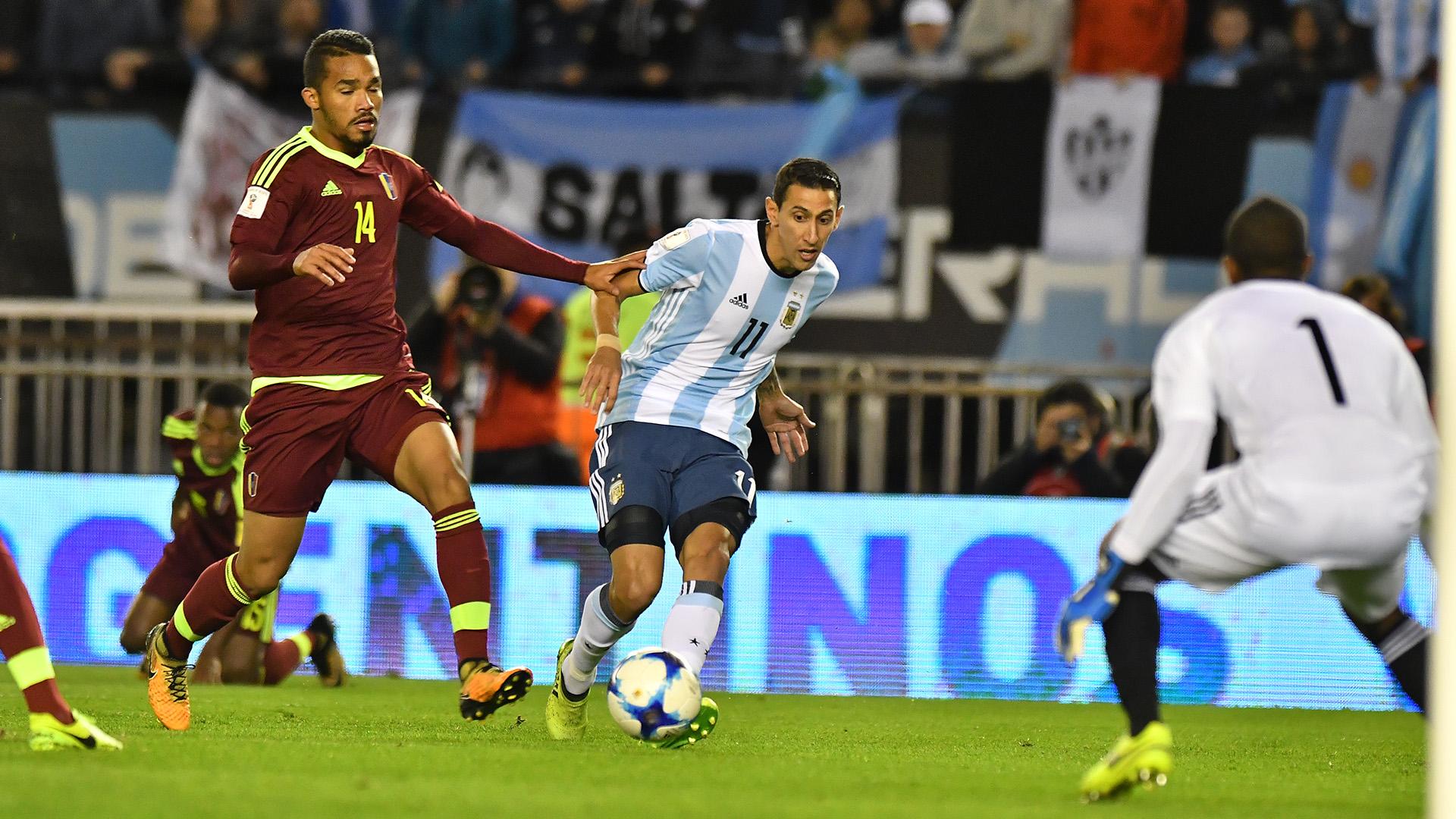 Ángel Di María tuvo un gran comienzo de partido, perose retiró por lesión en el primer tiempo