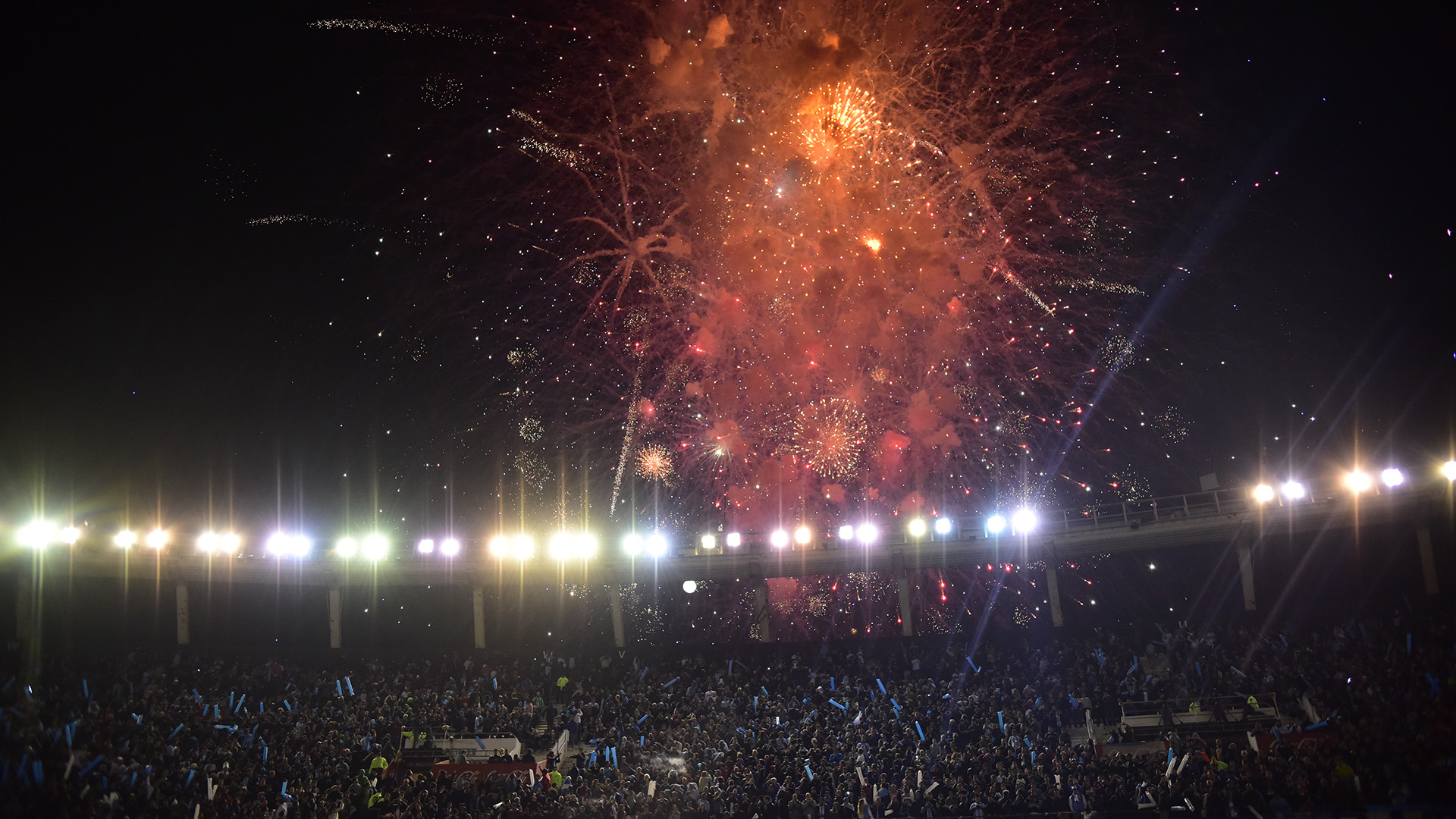 Los fuegos artificiales le dieron un gran marco alpartido