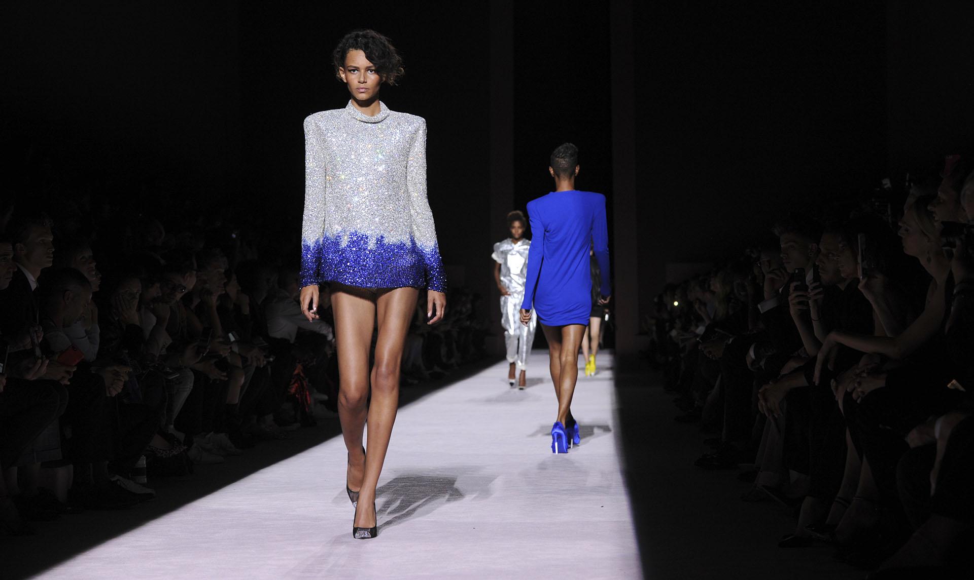 Tom Ford fue el encargado de abrir la nueva edición de primavera del New York Fashion Week (AP Photo/Diane Bondareff)