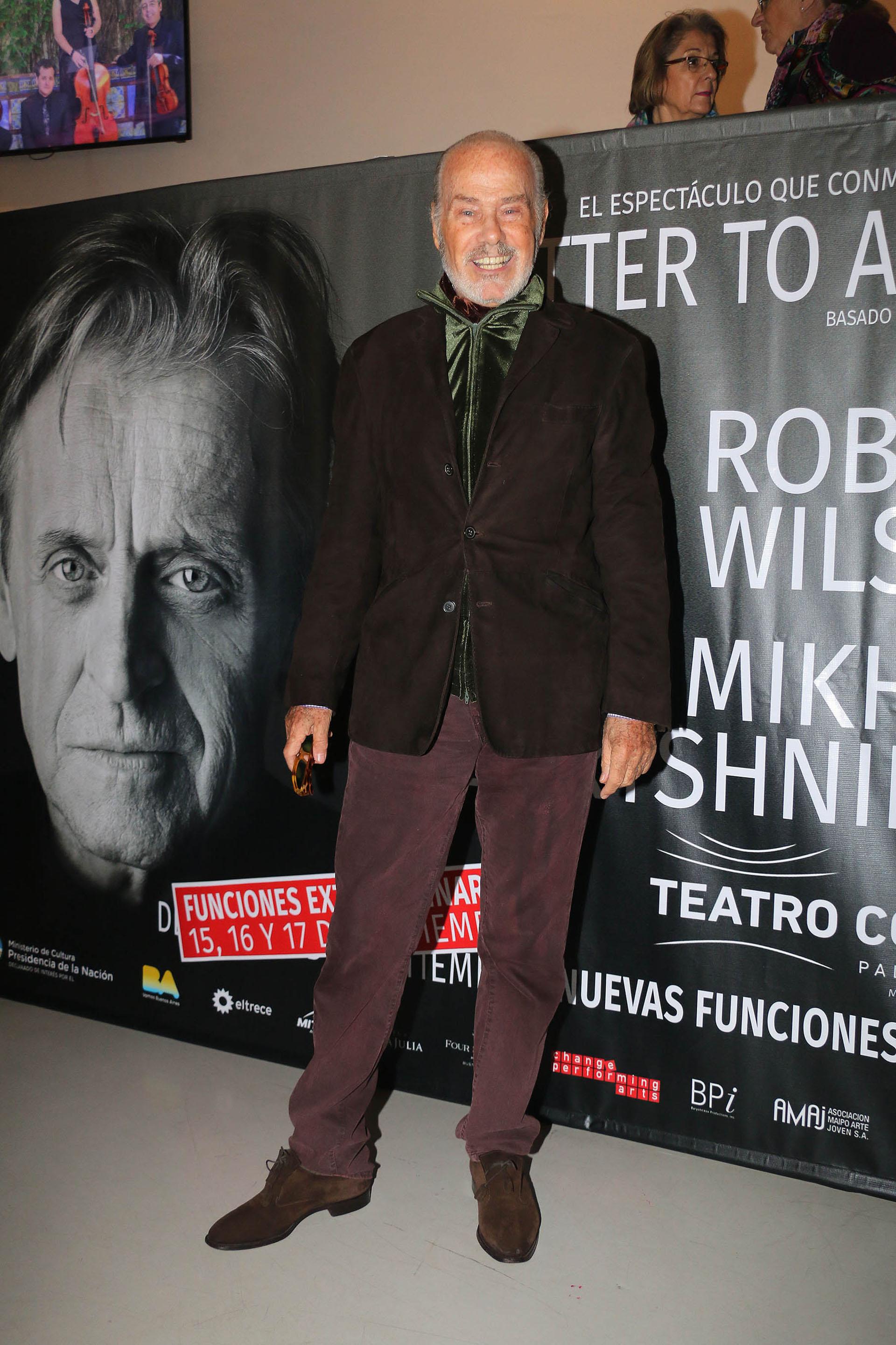 Los looks de los famosos en el espect culo de mikhail for Espectaculos de famosos