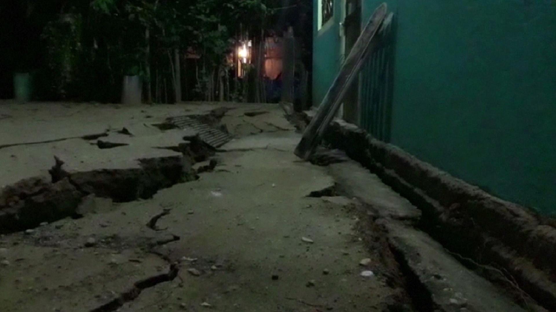Los daños a un edificio de Minatitlan, Mexico (AFP)