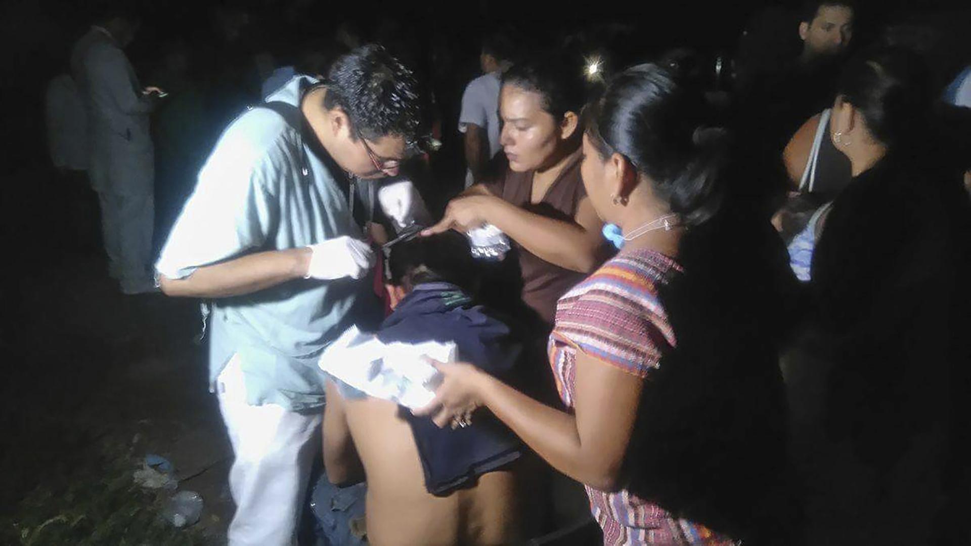 Juchitán, en el estado de Oaxaca, quedó a oscuras tras el sismo de 2017. (EFE/Pedro Rasgado).