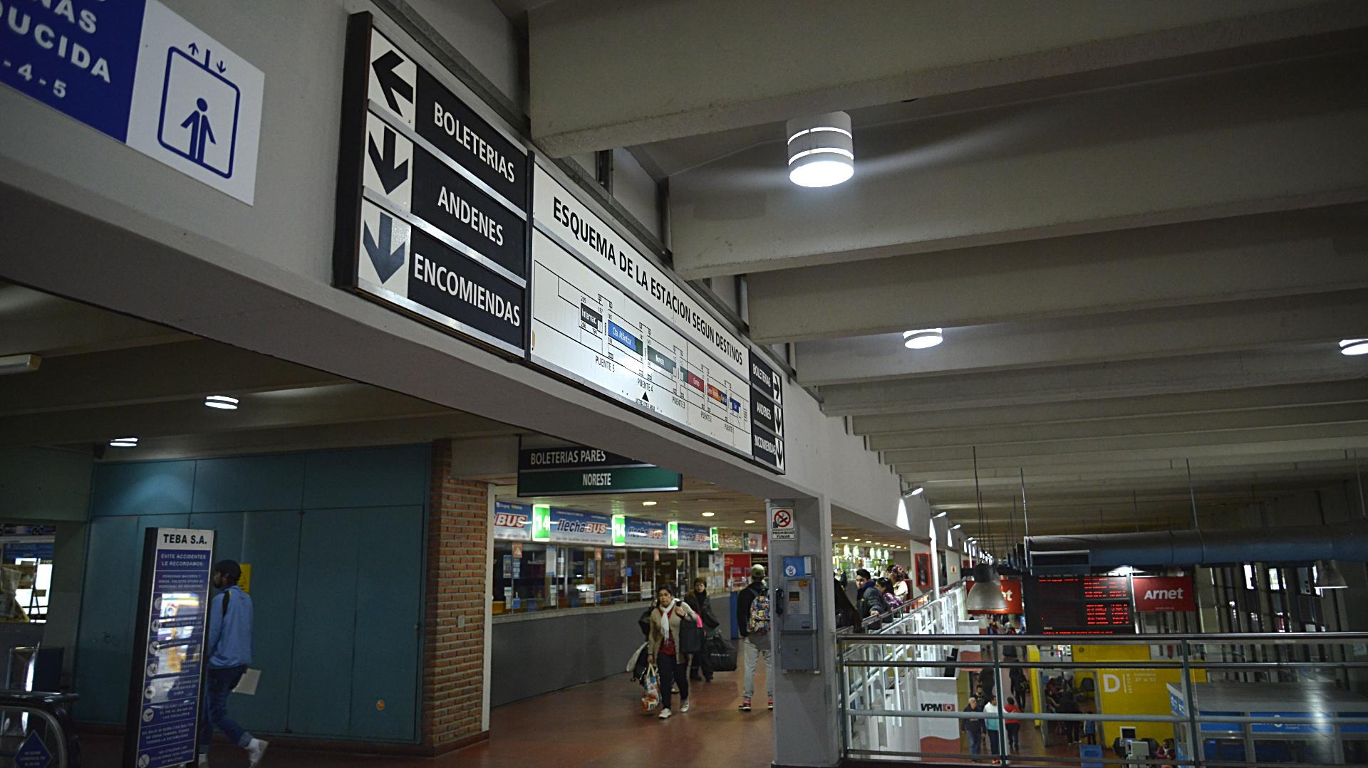 Terminal de Retiro (Gustavo Gavotti)