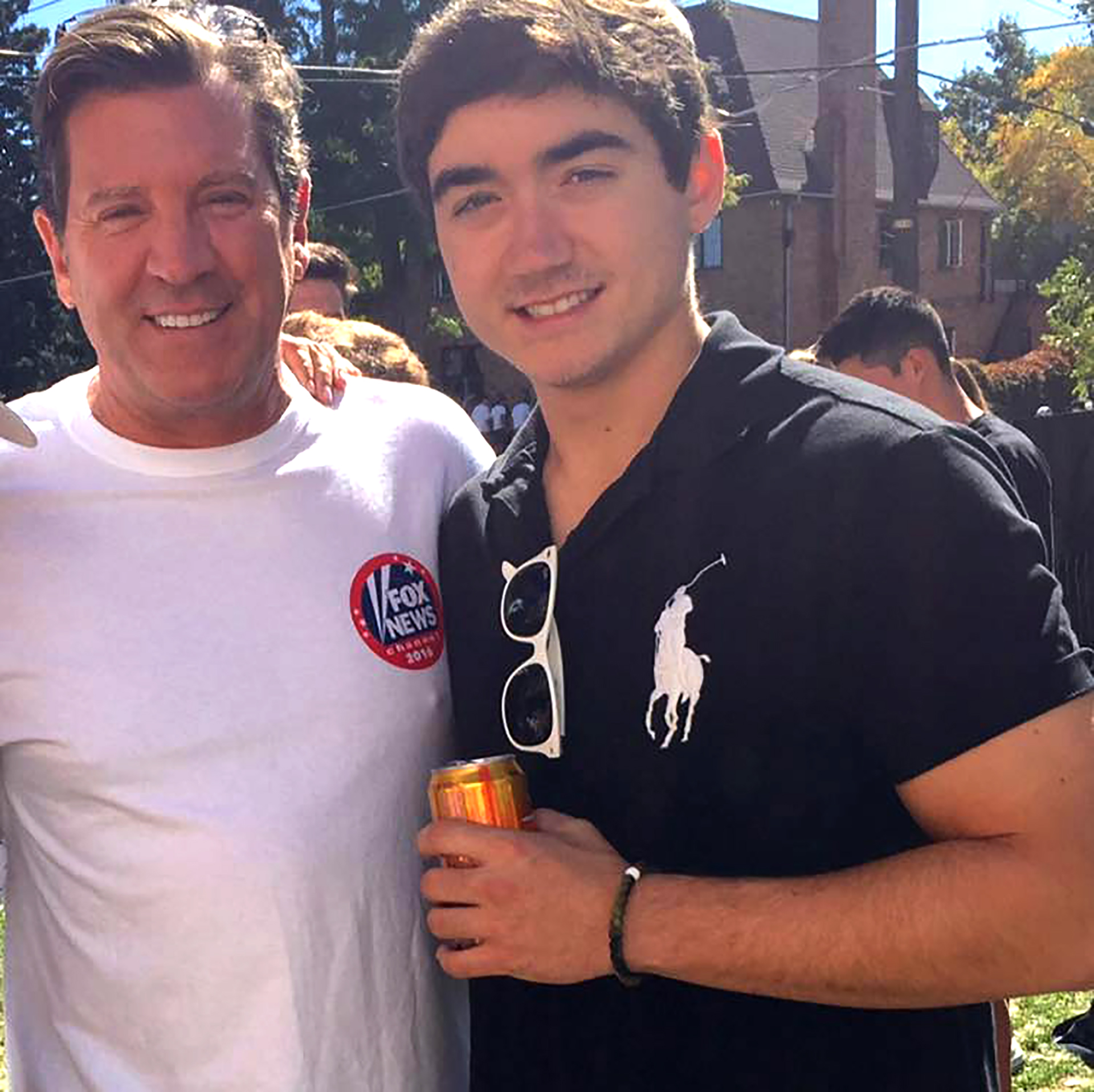 Eric Chase con su hijo