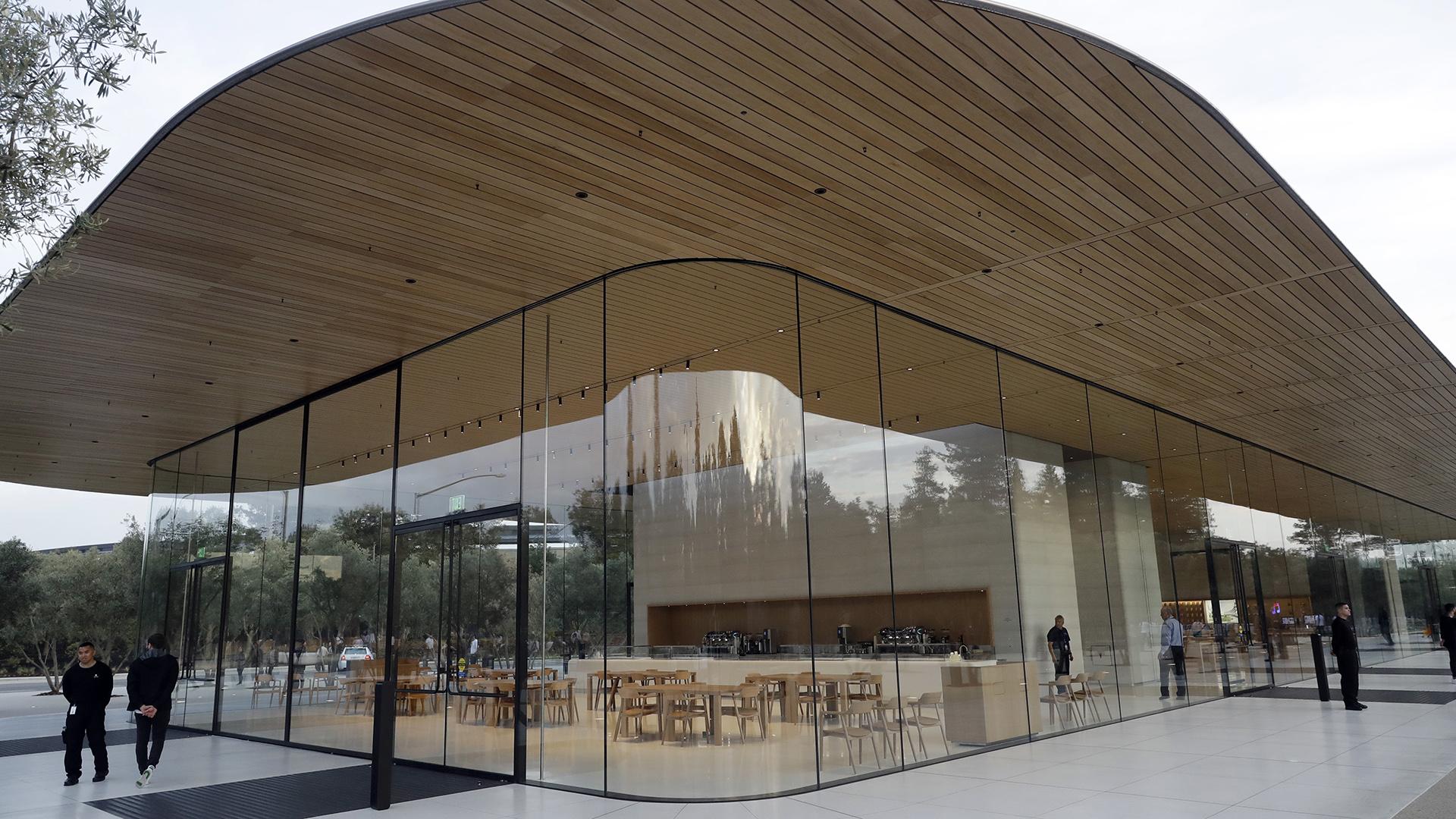 El edificio fue diseñado por el arquitecto británico Norman Foster