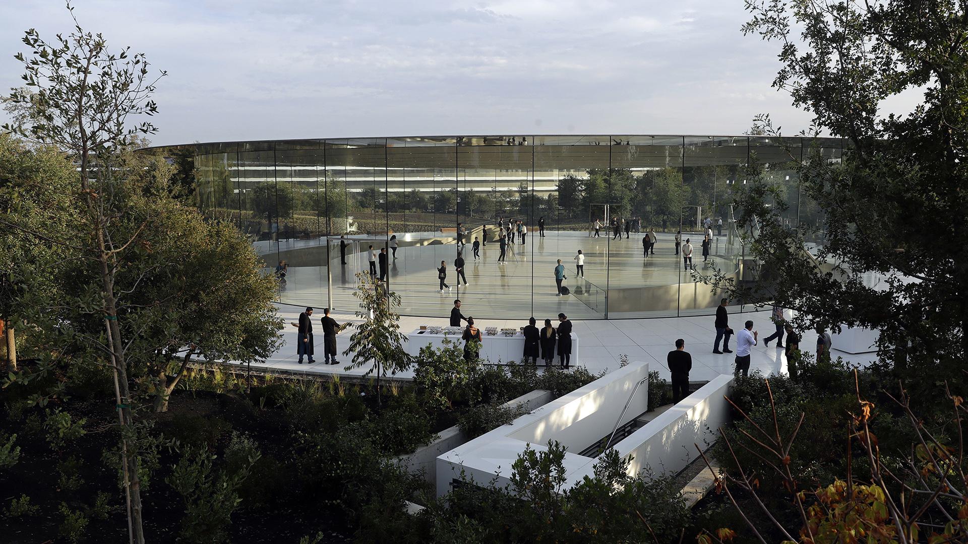 Dentro del campus también habrá espacio para el ocio: un gimnasio de 9 mil metros cuadrados y un salón de restaurantes con capacidad para 2.800 personas