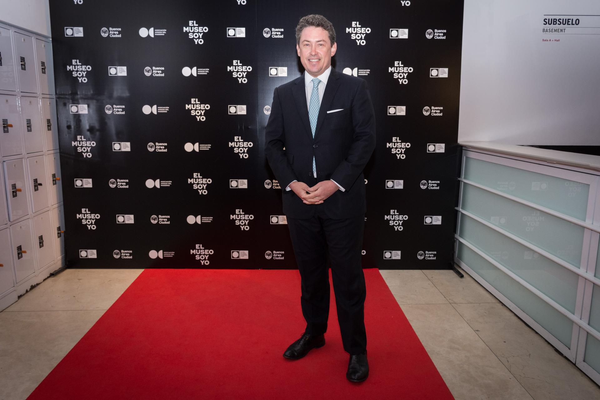 El ex embajador de los Estados Unidos en la Argentina, Noah Mamet. Esta tercera etapa está orientada a poner a disposición del público y de la comunidad artística la totalidad de la superficie del Moderno, que comprende 14.950 metros cuadrados, al cumplirse 62 años de su fundación