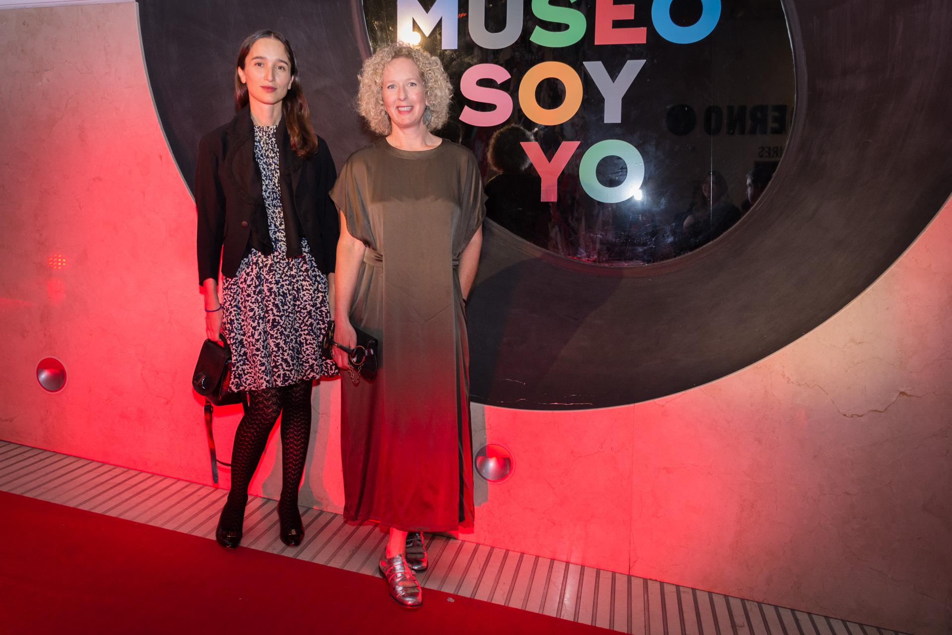 Luna Paiva y Astrid Perkins. Los invitados también disfrutaron de un preview exclusivo de las exposiciones del Museo