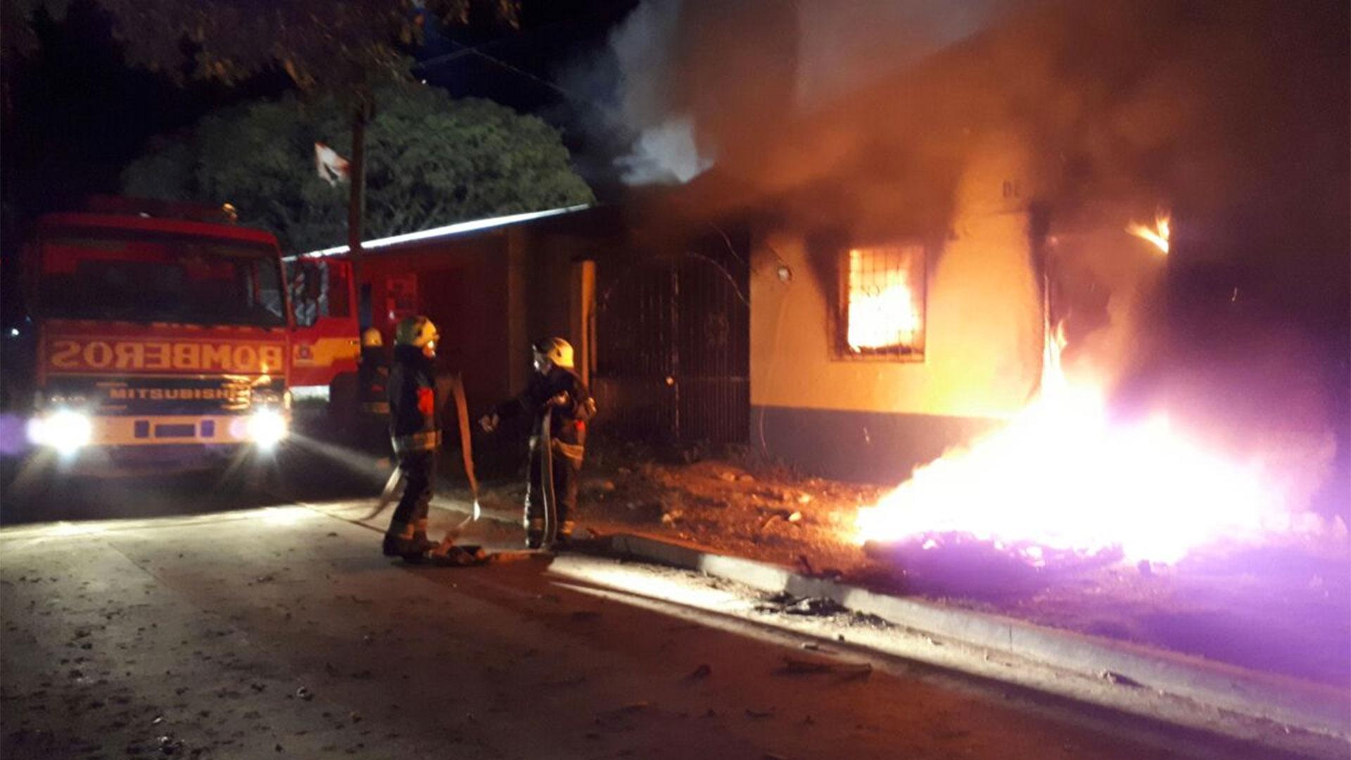 Resultado de imagen para Borrachos incendian un departamento