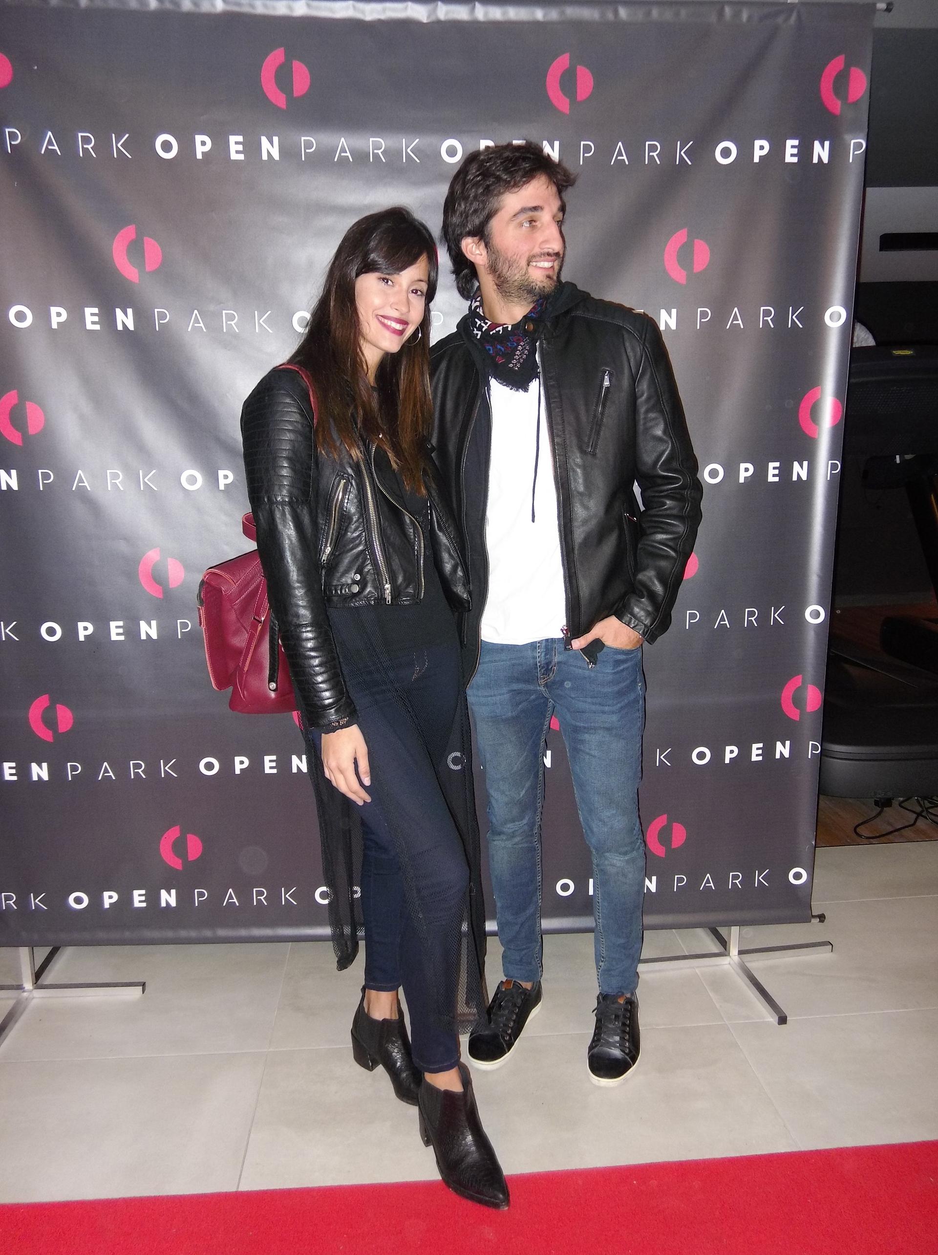La modelo Nicole Luis y Juan Pérsico, músico y productor de Agapornis.