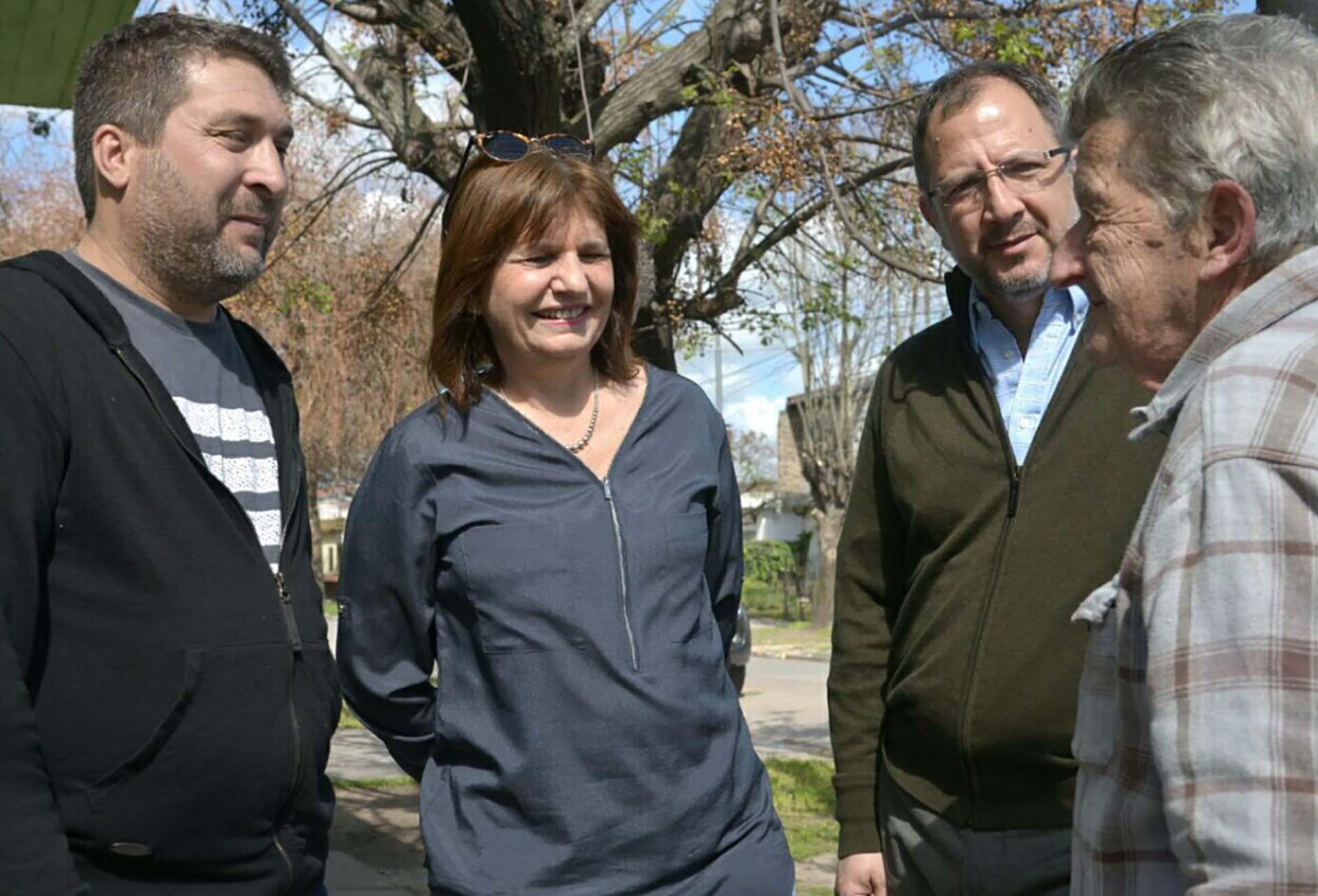 La ministra de Seguridad, Patricia Bullrich, junto a Fabián Perechodnik, Secretario General del Gobierno de la provincia de Buenos Aires