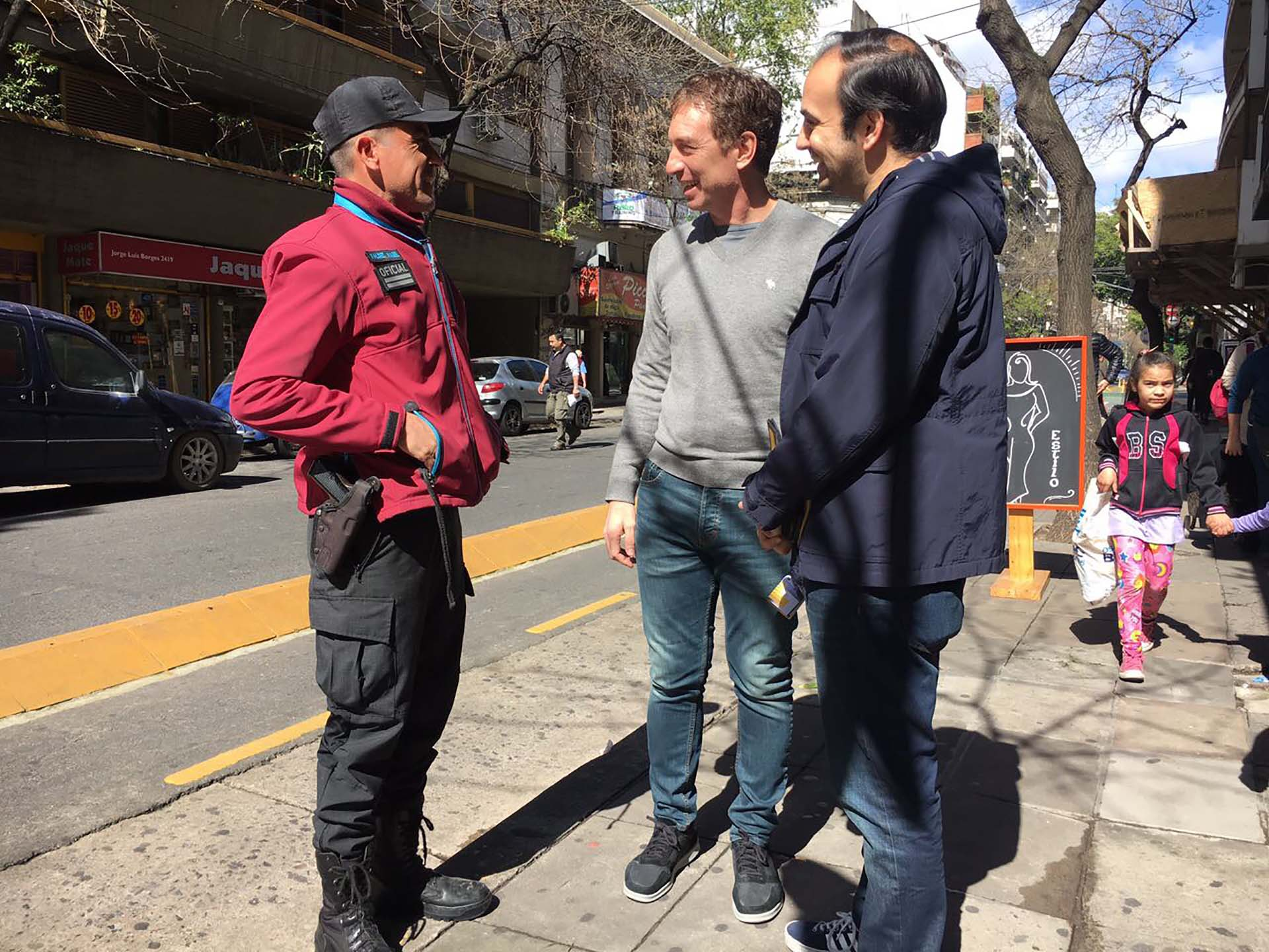 Diego Santilli y Francisco Quintana en el timbreo de la ciudad de Buenos Aires