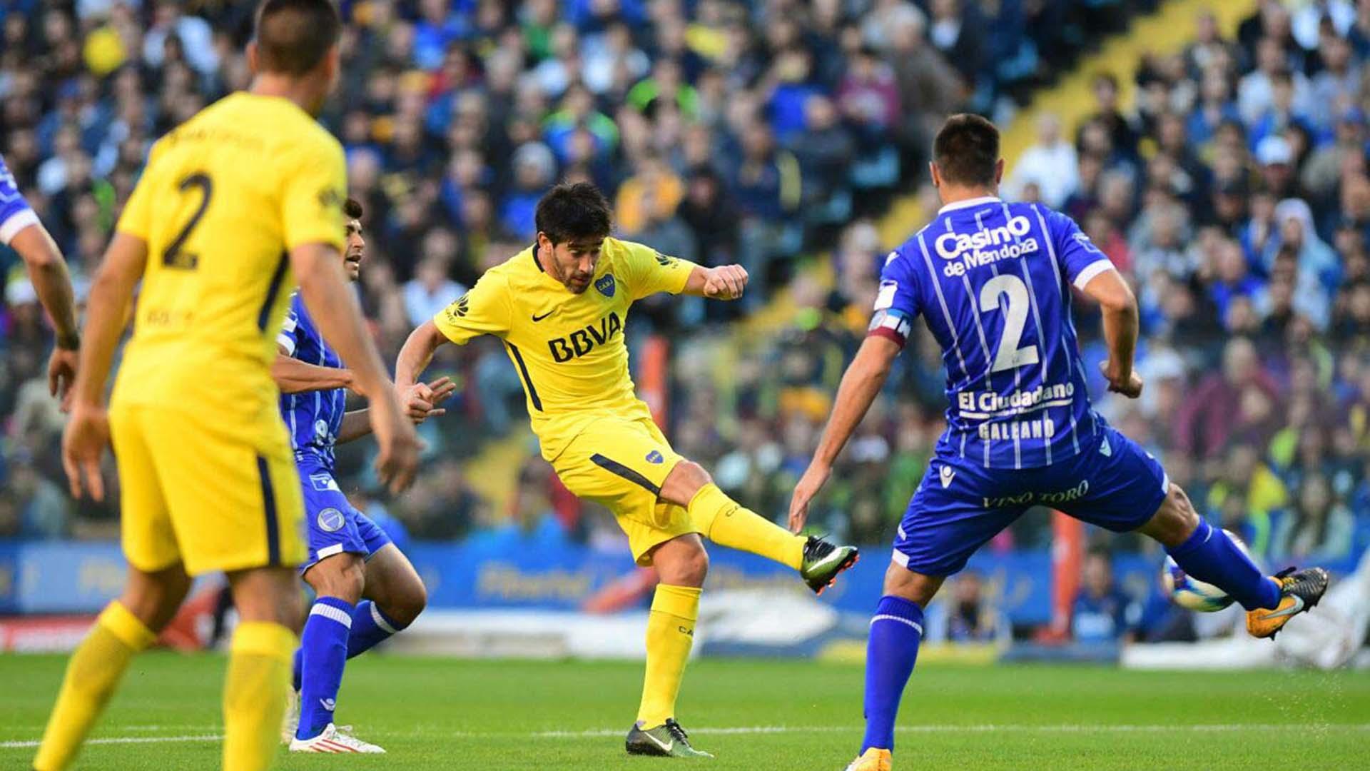Boca y Godoy Cruz, los dos equipos que pelean por el título en la Superliga (Foto: Télam)