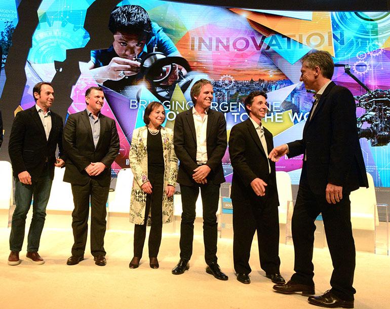 """Macri con los """"unicornios"""" locales en el """"mini Davos"""" de 2016"""