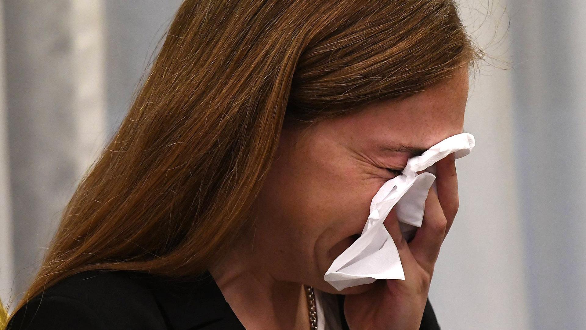 La víctima, Giuliana, llora al conocer el veredicto. Foto: José Romero