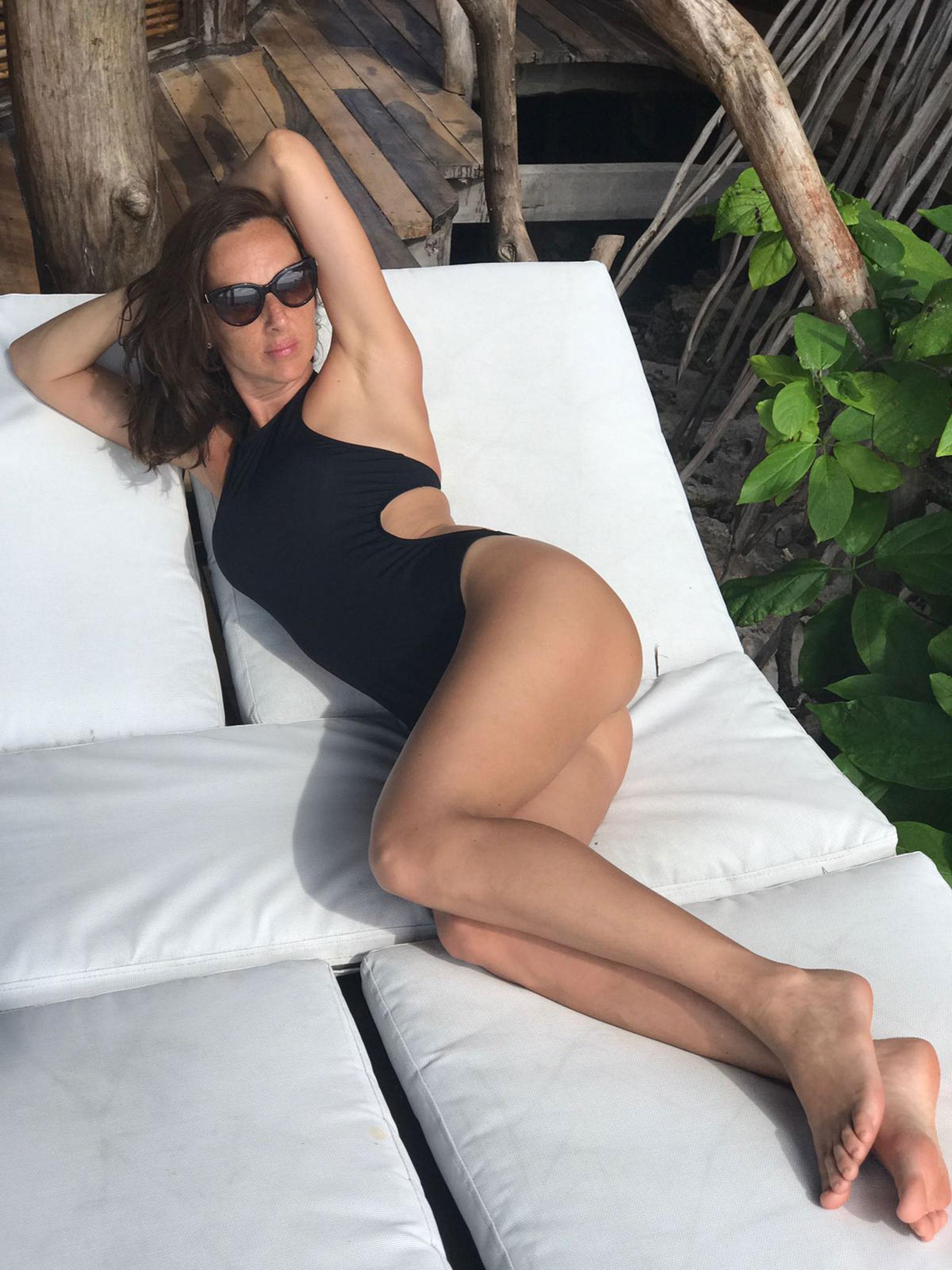 Catarina Spinetta lució muy sensual con un traje de baño durante sus vacaciones en México. La DJ viajó acompañada por su pareja, el actor Nahuel Mutti