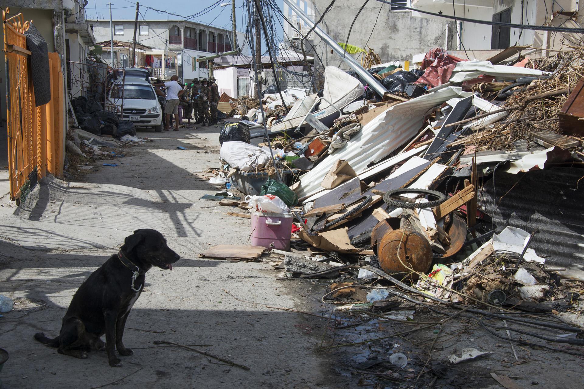 María se debilita a categoría 2 y avanza hacía Dominicana