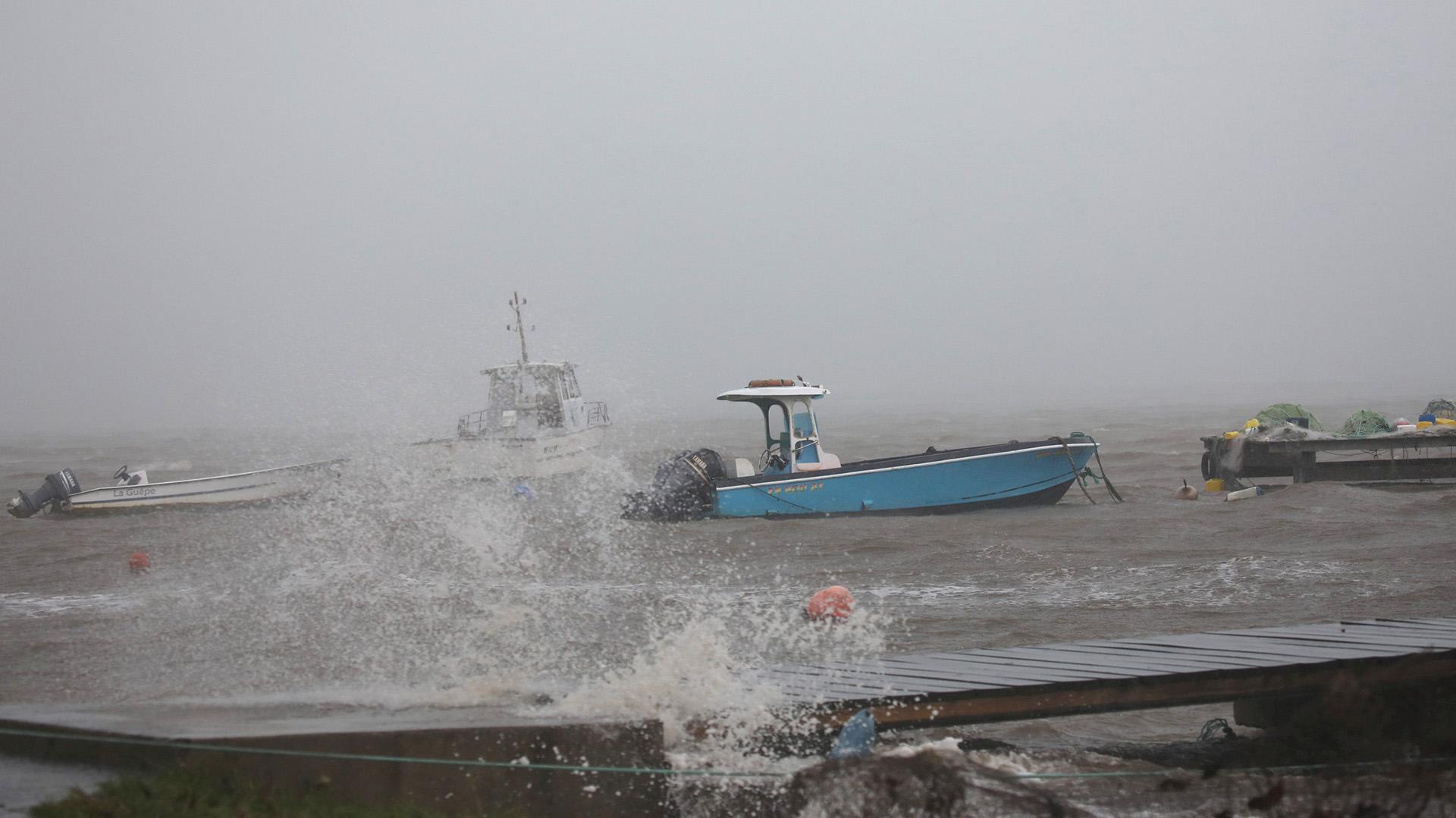 Huracán María dejó sin electricidad 90% de Puerto Rico