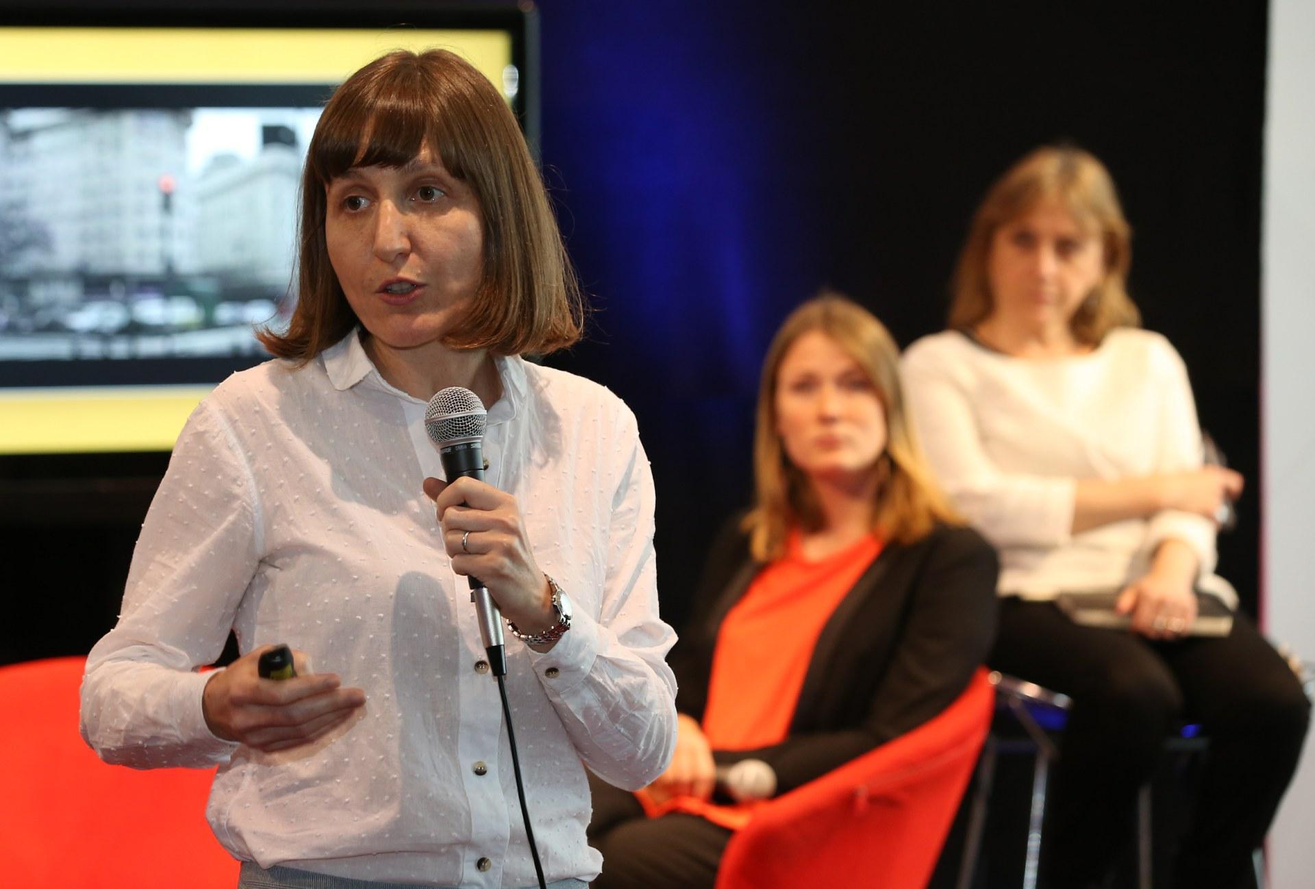 Sonia Jalfin expuso sus vasto conocimiento sobre comunicación en la agenda de actividades de UPWARD Women Argentina (Agustín Marcarian)