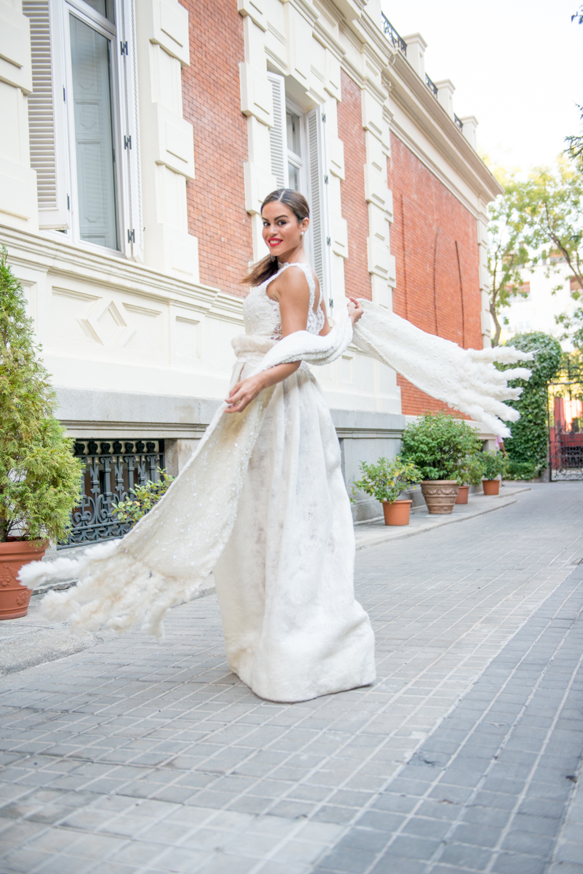 Un vestido de novia en fieltro