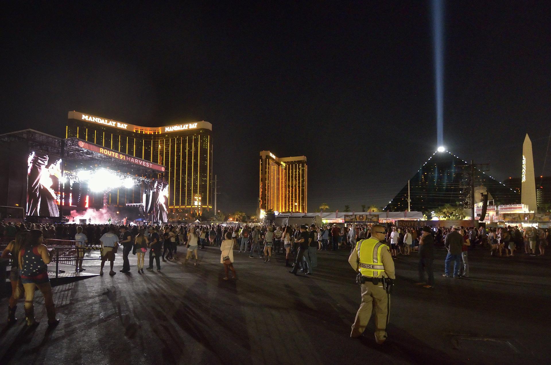 Vista general de uno de los escenarios del festival de música Route 91, Harvest, en las Vegas, Estados Unidos, el 30 de septiembre de 2017