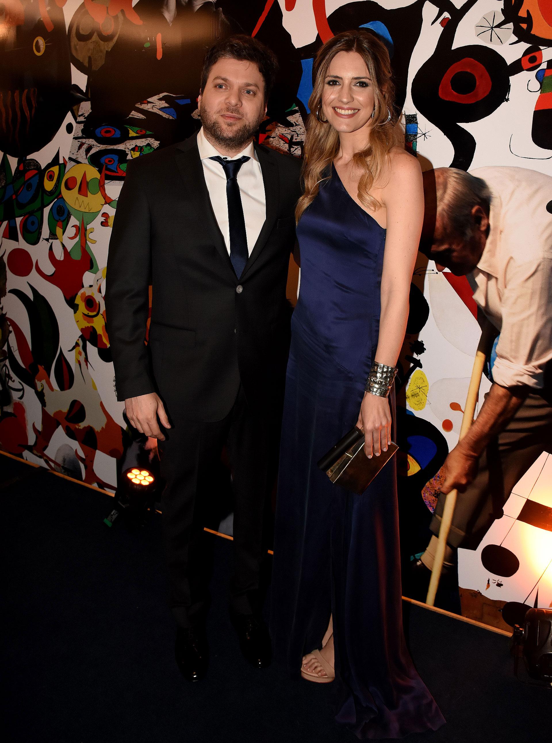 Guido Kaczka y su pareja Soledad Rodríguez en la Comida Anual de Amigos del Museo Nacional de Bellas Artes (Nicolás Stulberg / Infobae)