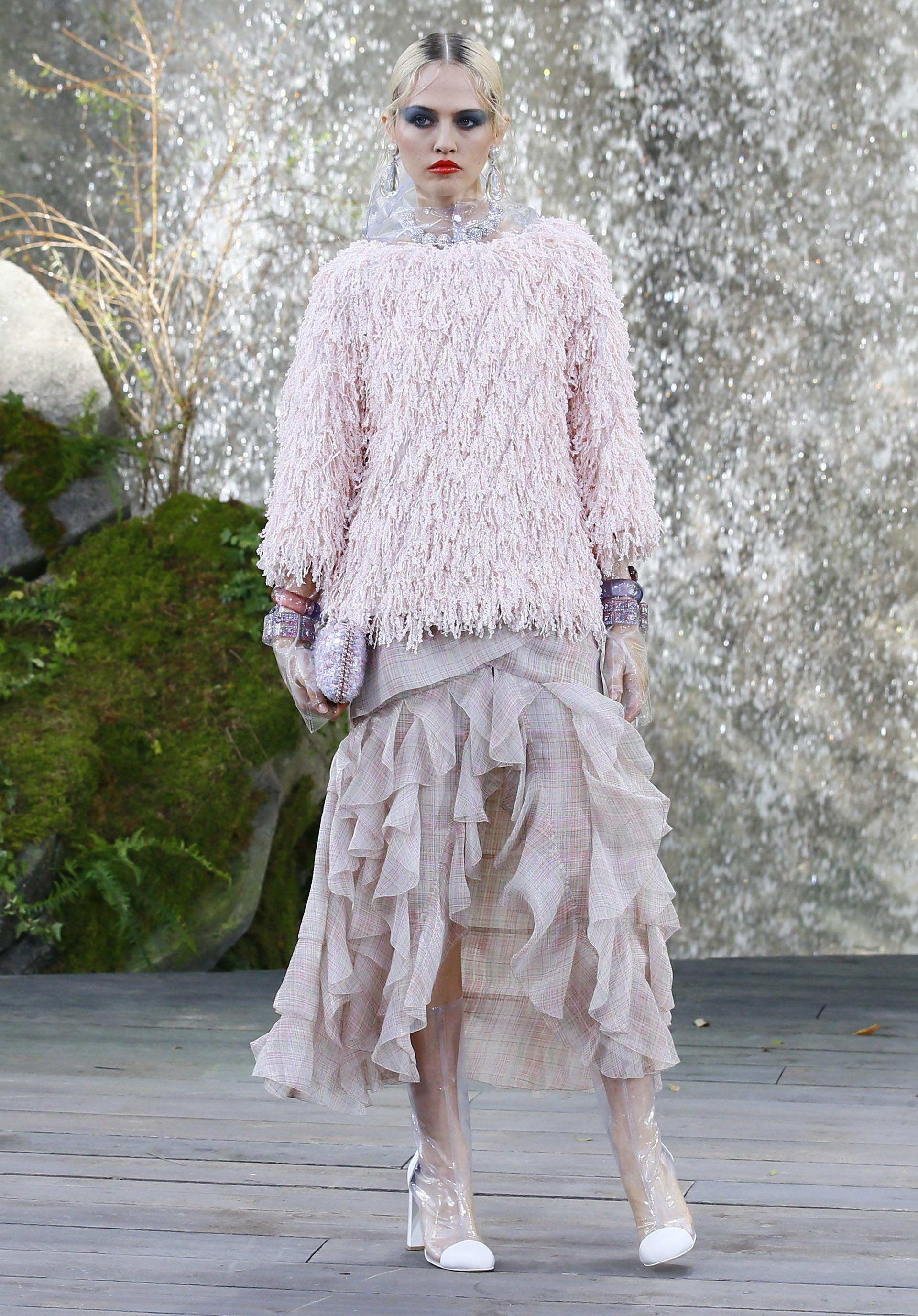 La tonalidad rosa nude se impone como tendencia también para la Maison