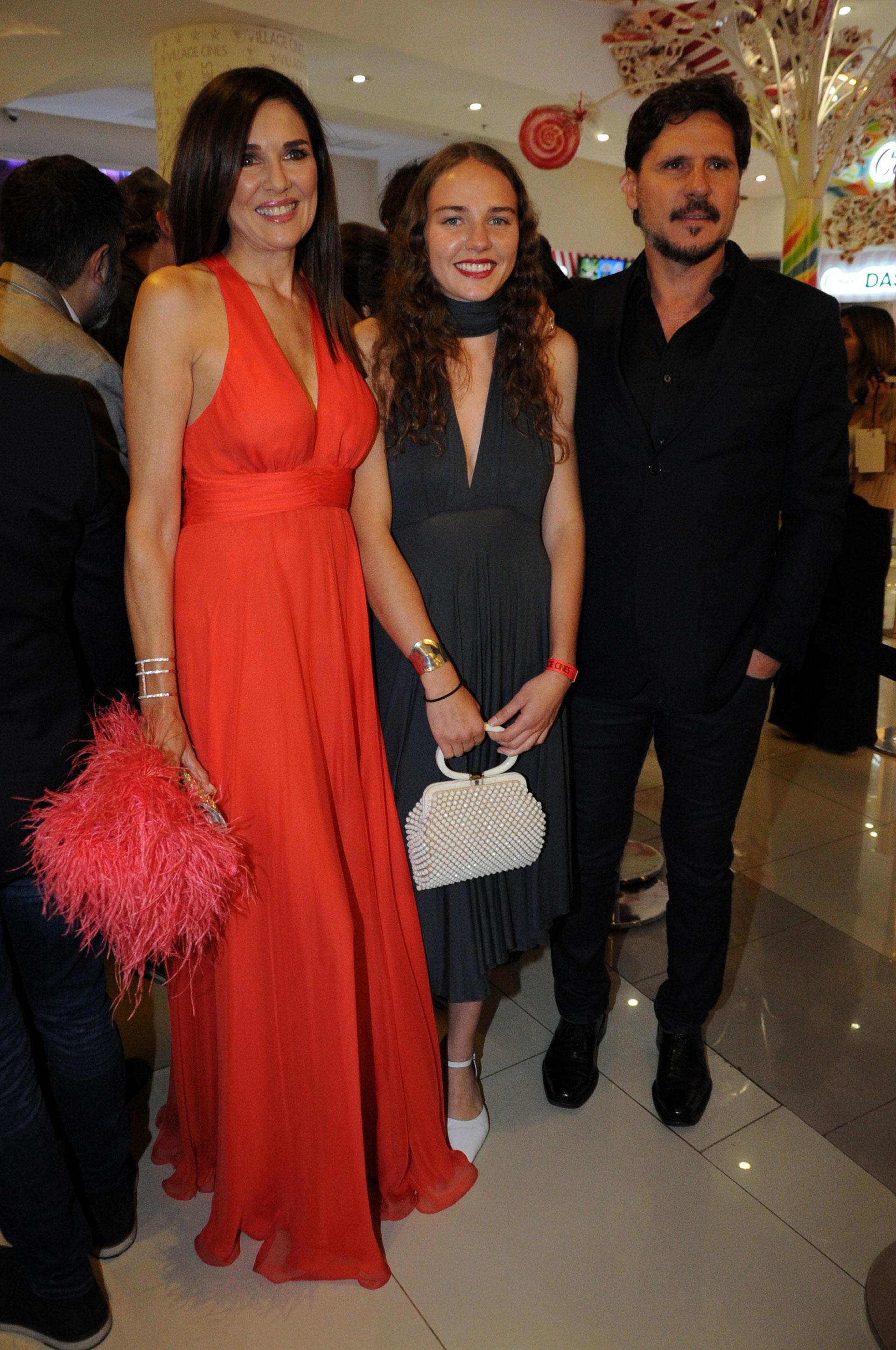 Andrea Frigerio con su hija Josefina y su pareja Lucas Bocchino