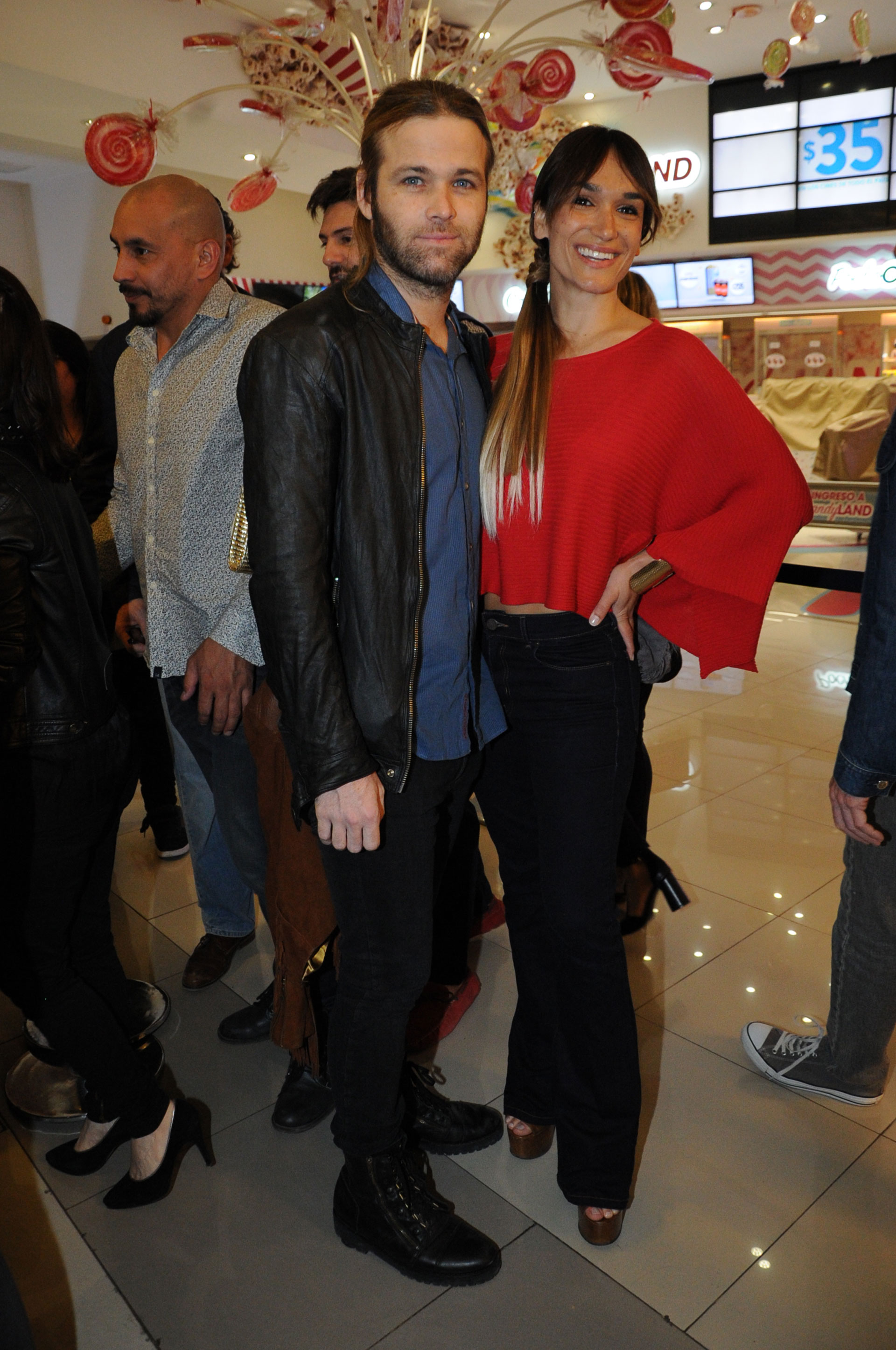 Benjamín Amadeo y su novia Martina