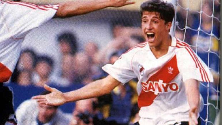 Crespo debutó en Primera con la camiseta de River a los 18 años