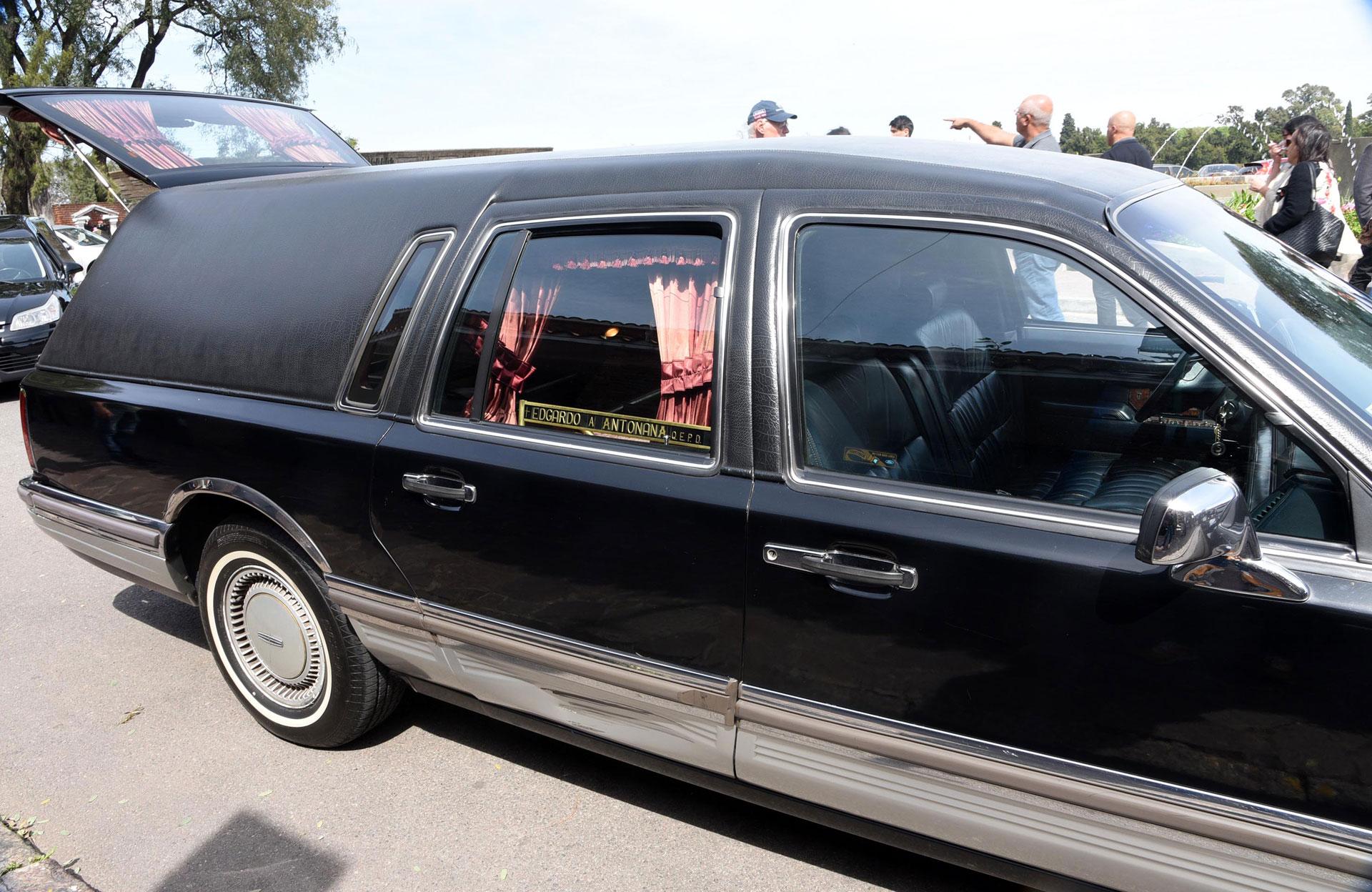 El último adiós a Edgardo Antoñana, rodeado de sus familiares y compañeros
