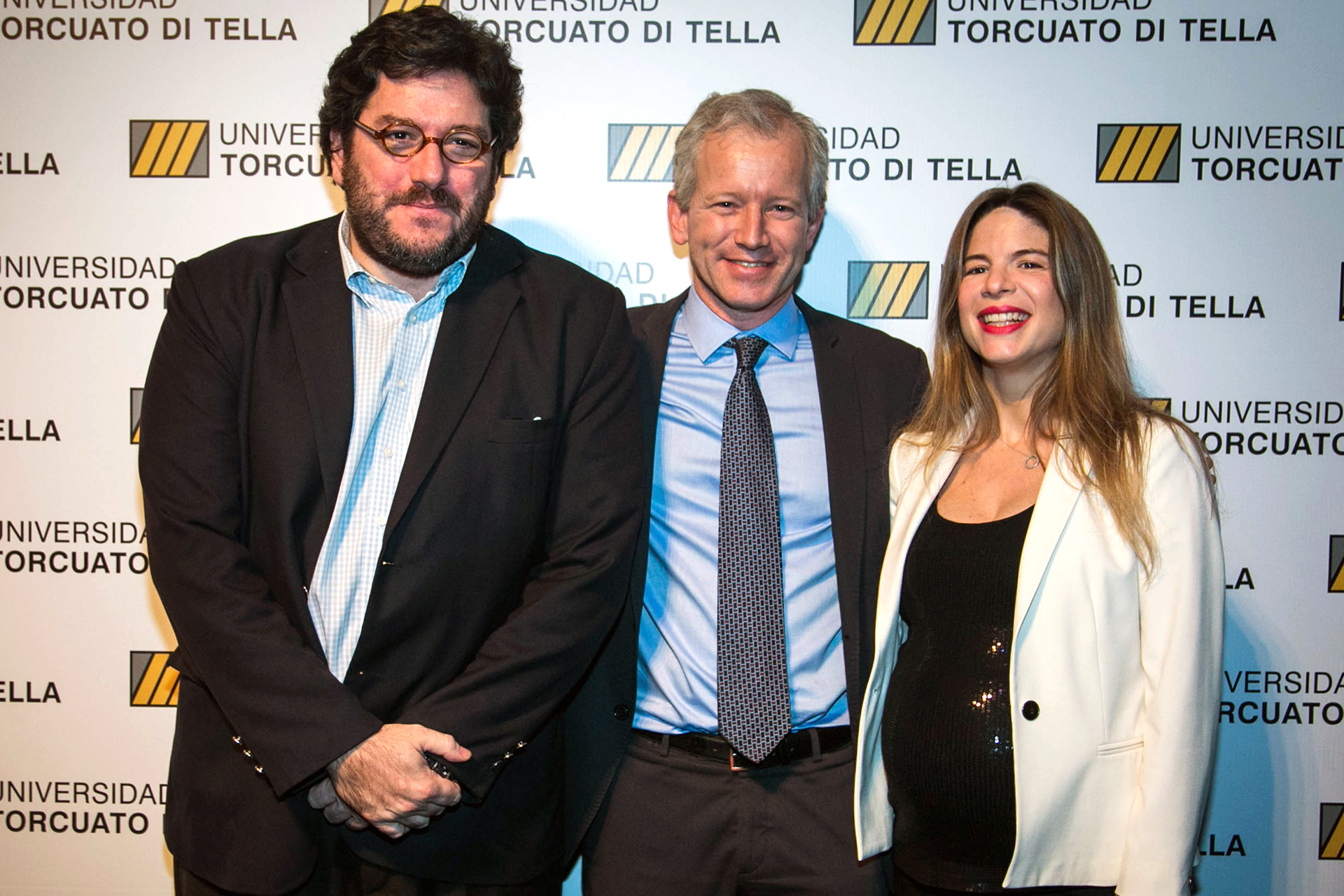 El Ministro de Cultura de la Ciudad de Buenos Aires, Pablo Avelluto, junto a su pareja Carolina Azzi, y Ernesto Schargrodsky, economista y rector de la Universidad Torcuato Di Tella.