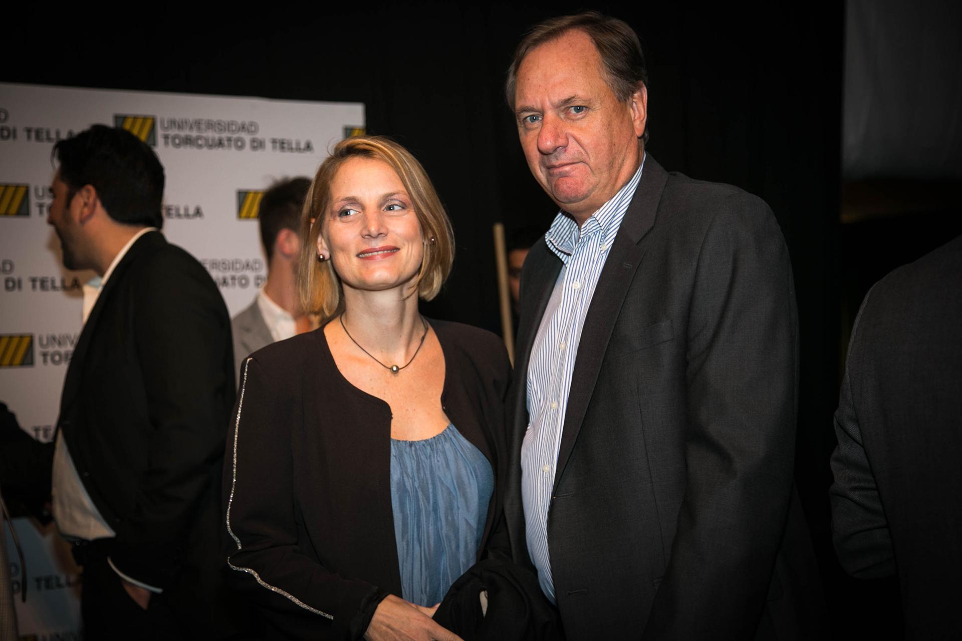 El secretario del Consejo de Direccion de la UTDT, Pablo Guidotti junto a su esposa