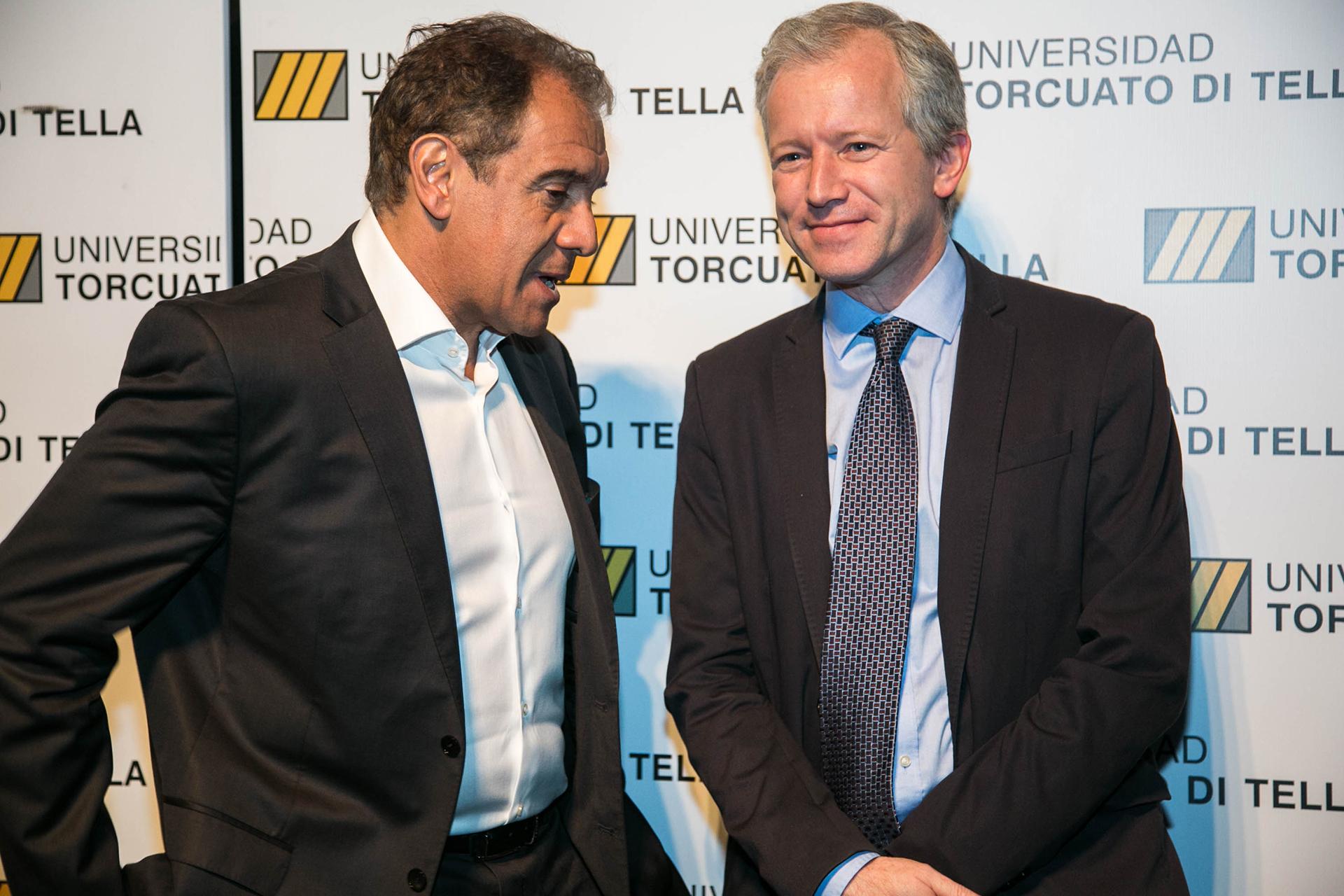 Daniel Hadad, fundador de Infobae, junto al rector de la Universidad Ernesto Schargrodsky